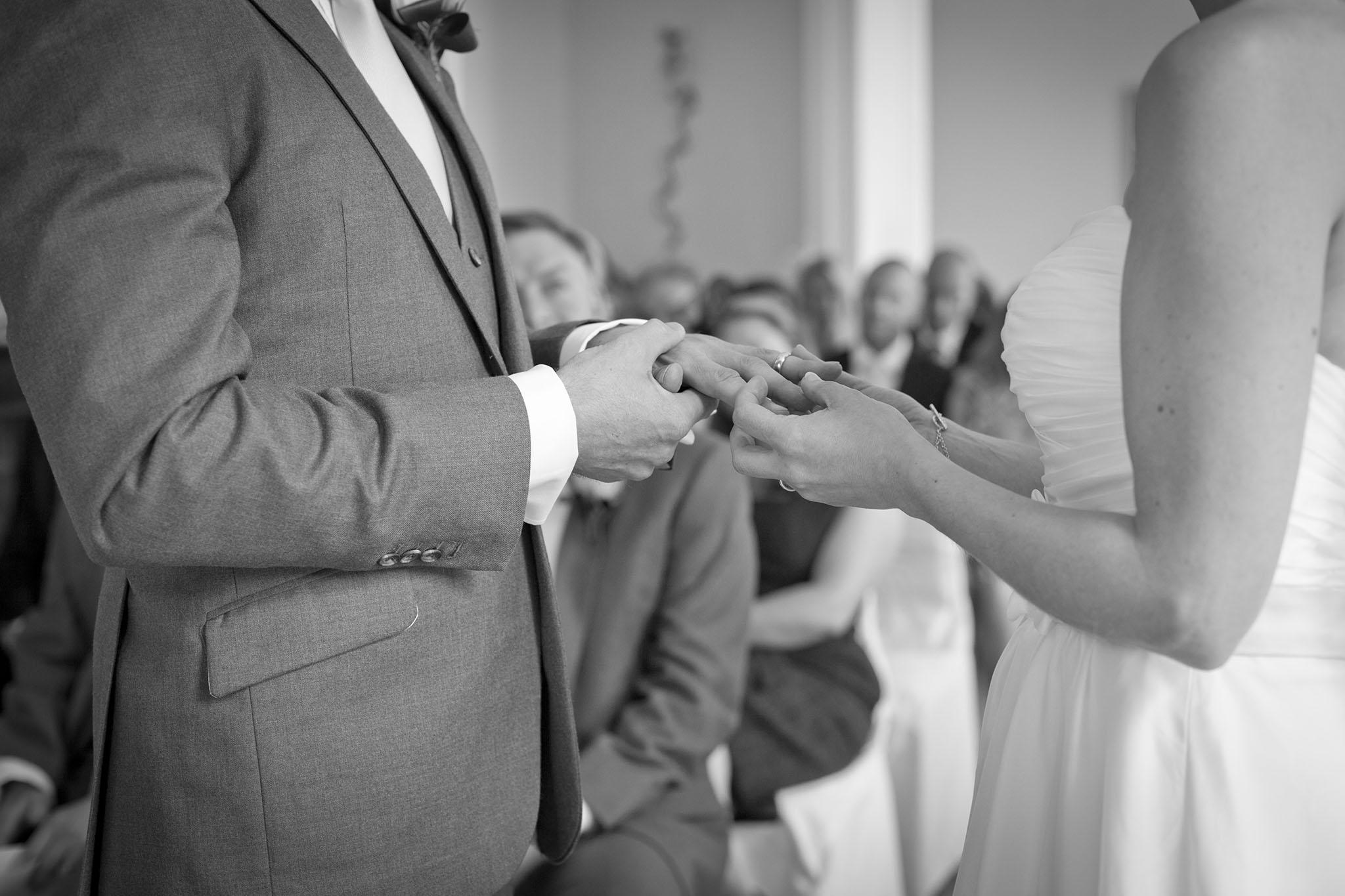 elizabethg_fineart_photography_hertfordshire_rachel_adam_wedding_highelmsmanor_24.jpg