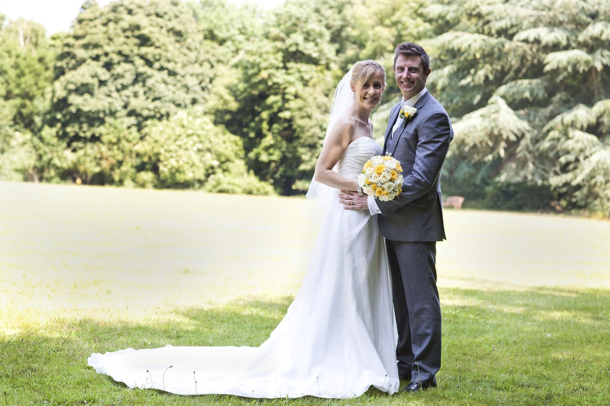 elizabethg_fineart_photography_hertfordshire_rachel_adam_wedding_highelmsmanor_30.jpg