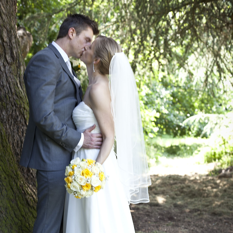 elizabethg_fineart_photography_hertfordshire_rachel_adam_wedding_highelmsmanor_36.jpg