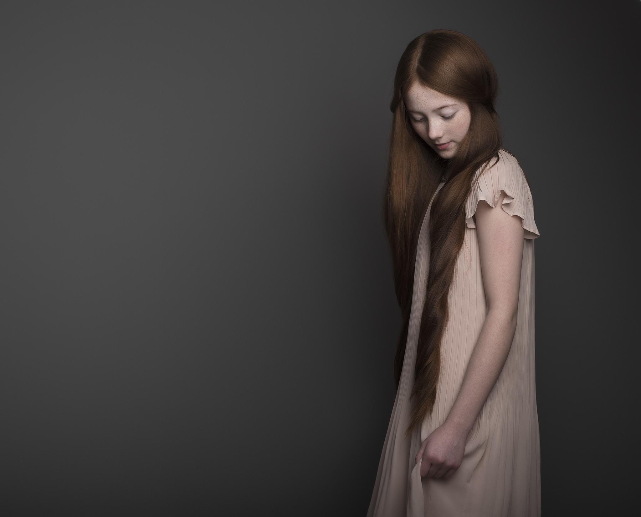 elizabethgphotography_childrens_fineart_kingslangley_hertfordshire_model_lilycave_3.jpg