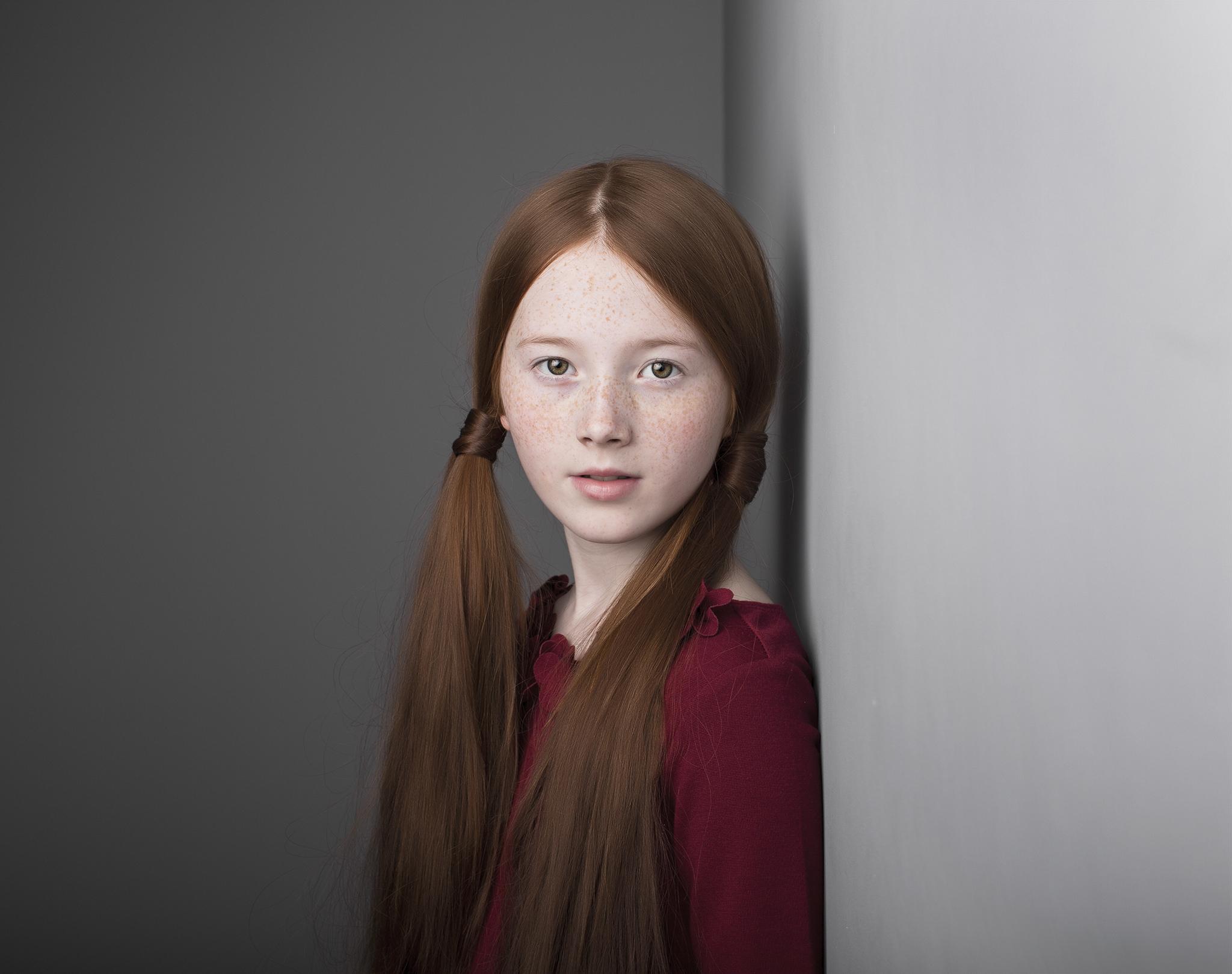 elizabethgphotography_childrens_fineart_kingslangley_hertfordshire_model_lilycave_2.jpg