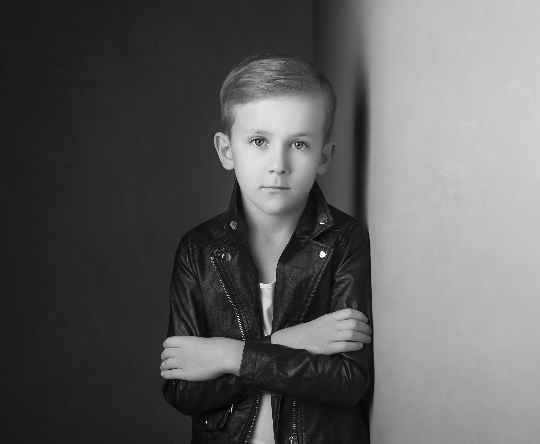elizabethgphotography_childrens_fineart_kingslangley_hertfordshire_model_actor_updates_teddy_hawkins.jpg