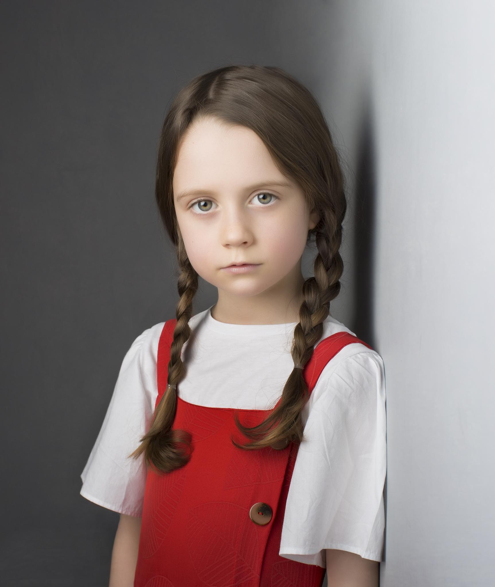 elizabethgphotography_fineart_kingslangley_hertfordshire_child_model_alana_tinyangels_03.jpg