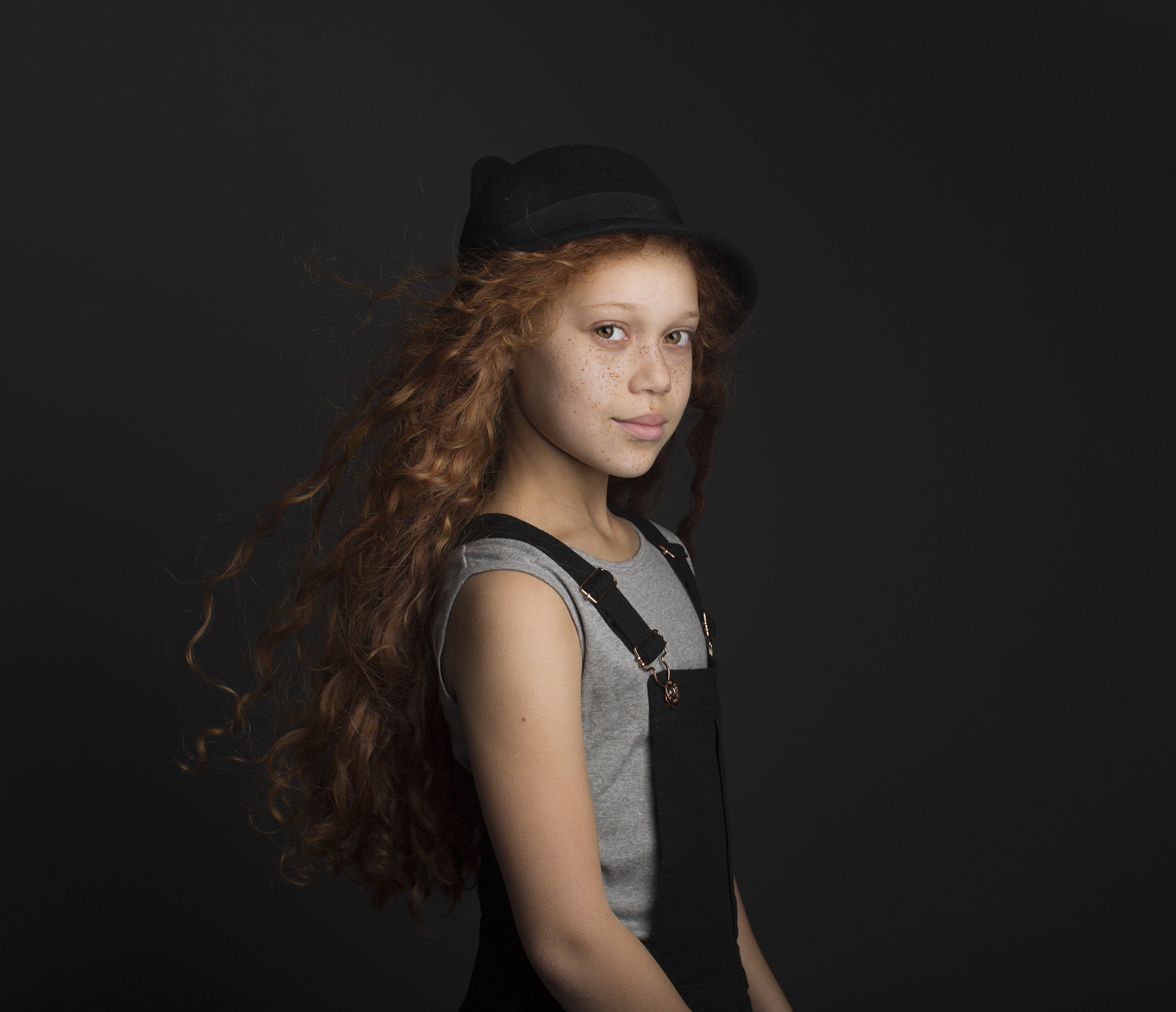 elizabethg_photography_hertfordshire_fineart_child_portrait_model_tiarna_williams_01.jpg