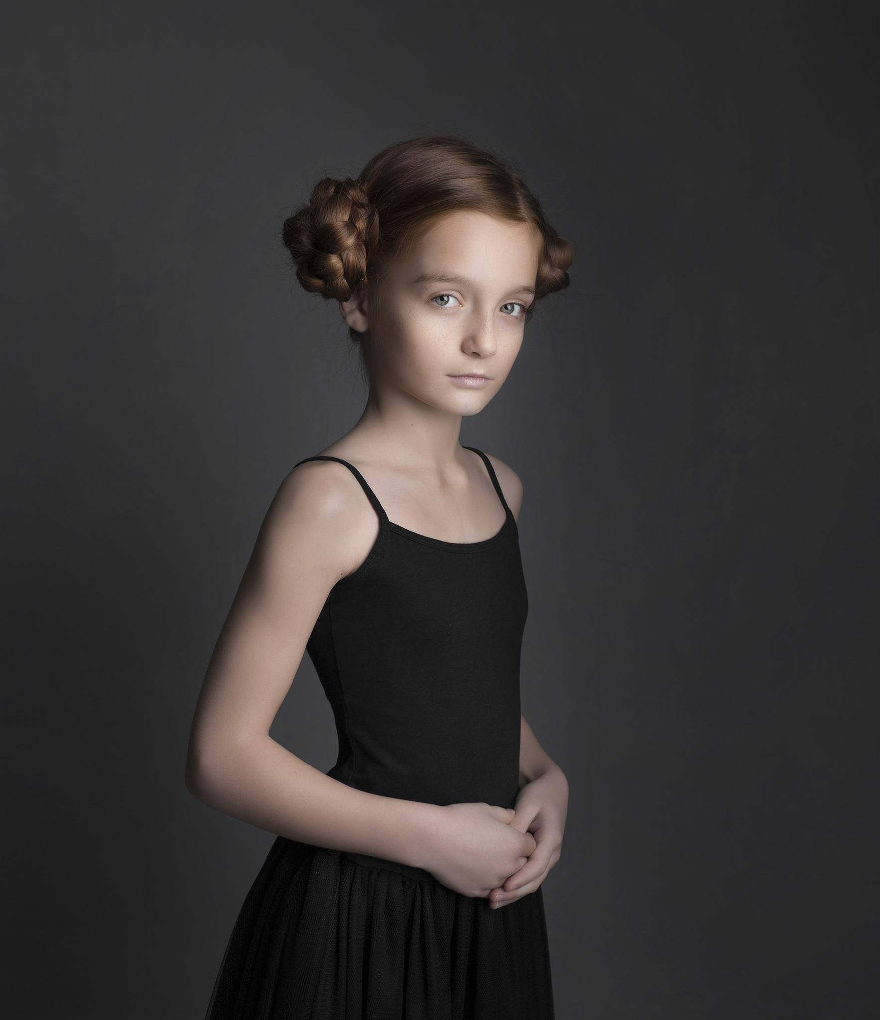 elizabethg_photography_hertfordshire_fineart_child_portrait_model_morgan_1.jpg