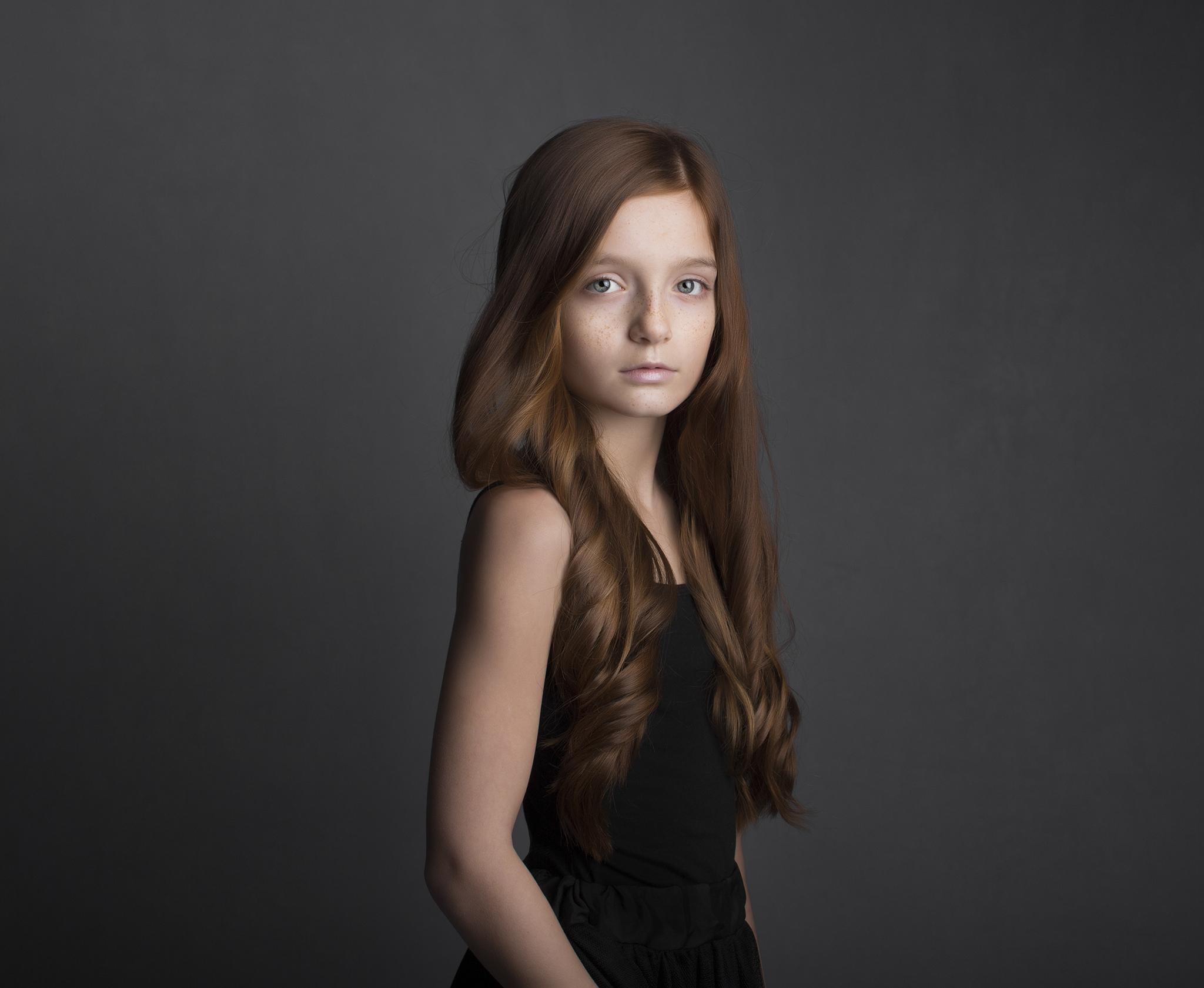 elizabethg_photography_hertfordshire_fineart_child_portrait_model_morgan_2.jpg