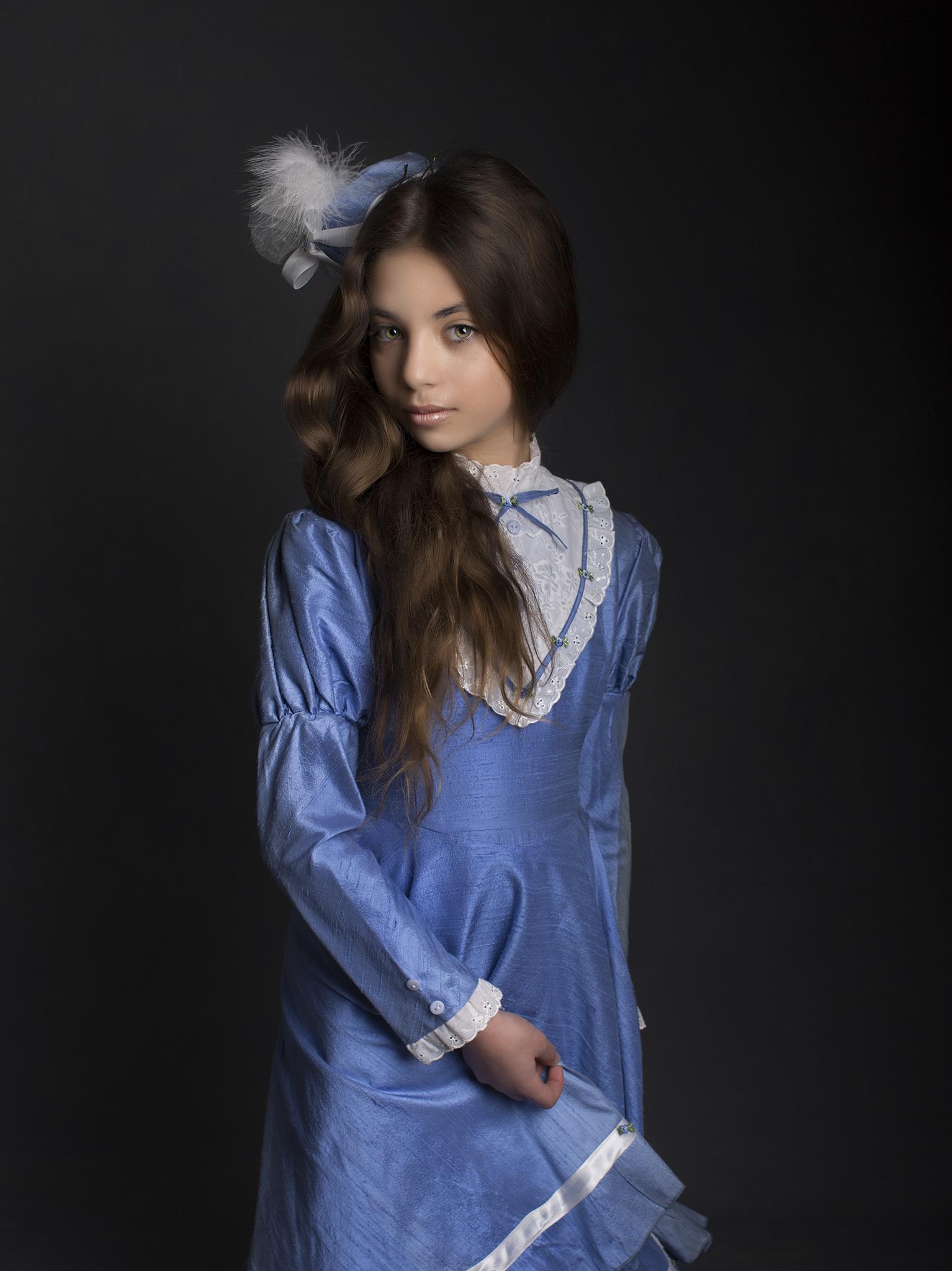 elizabethgphotography_fineart_kingslangley_hertfordshire_child_model_dancer_elysia_1.jpg
