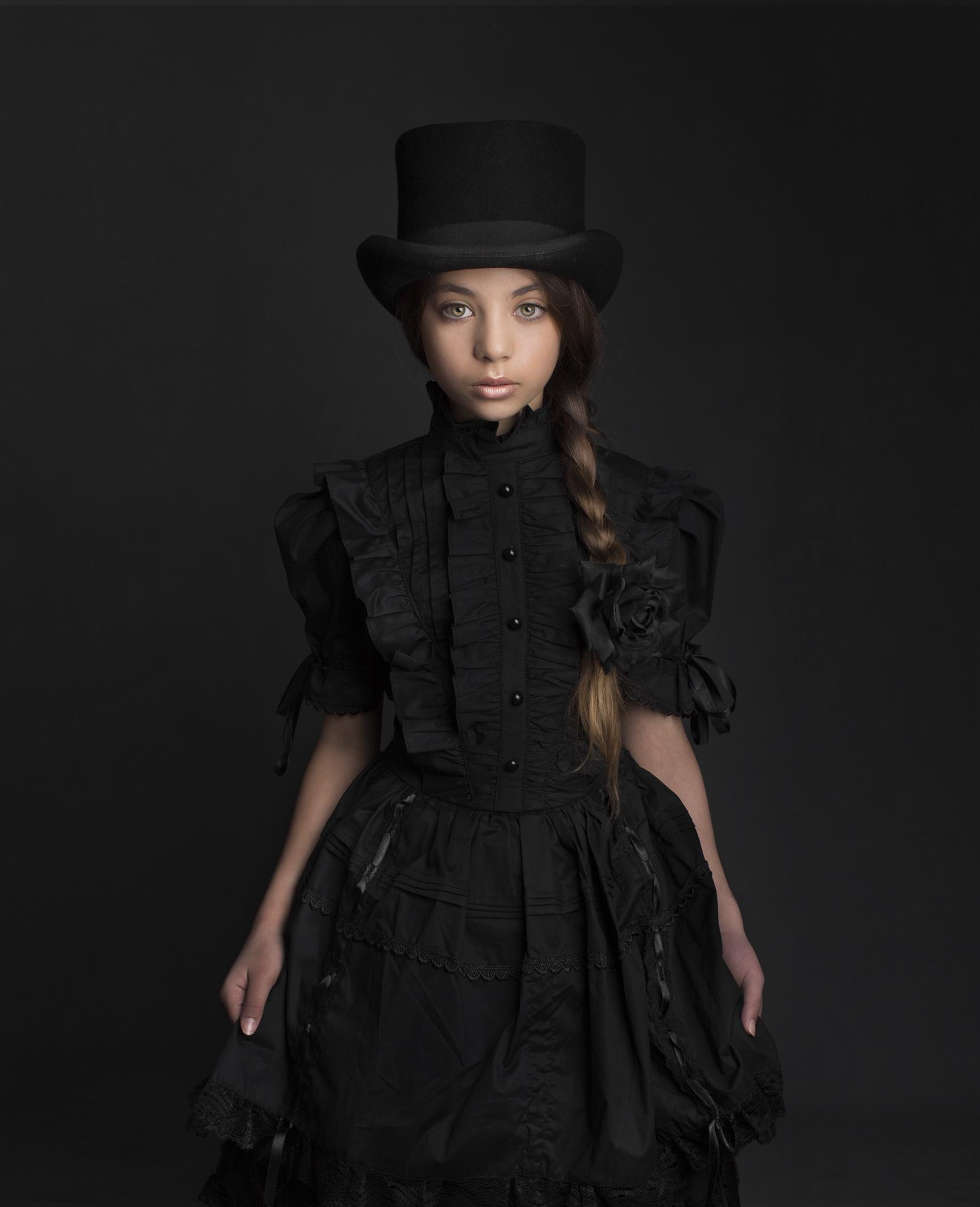 elizabethgphotography_fineart_kingslangley_hertfordshire_child_model_dancer_elysia_3.jpg