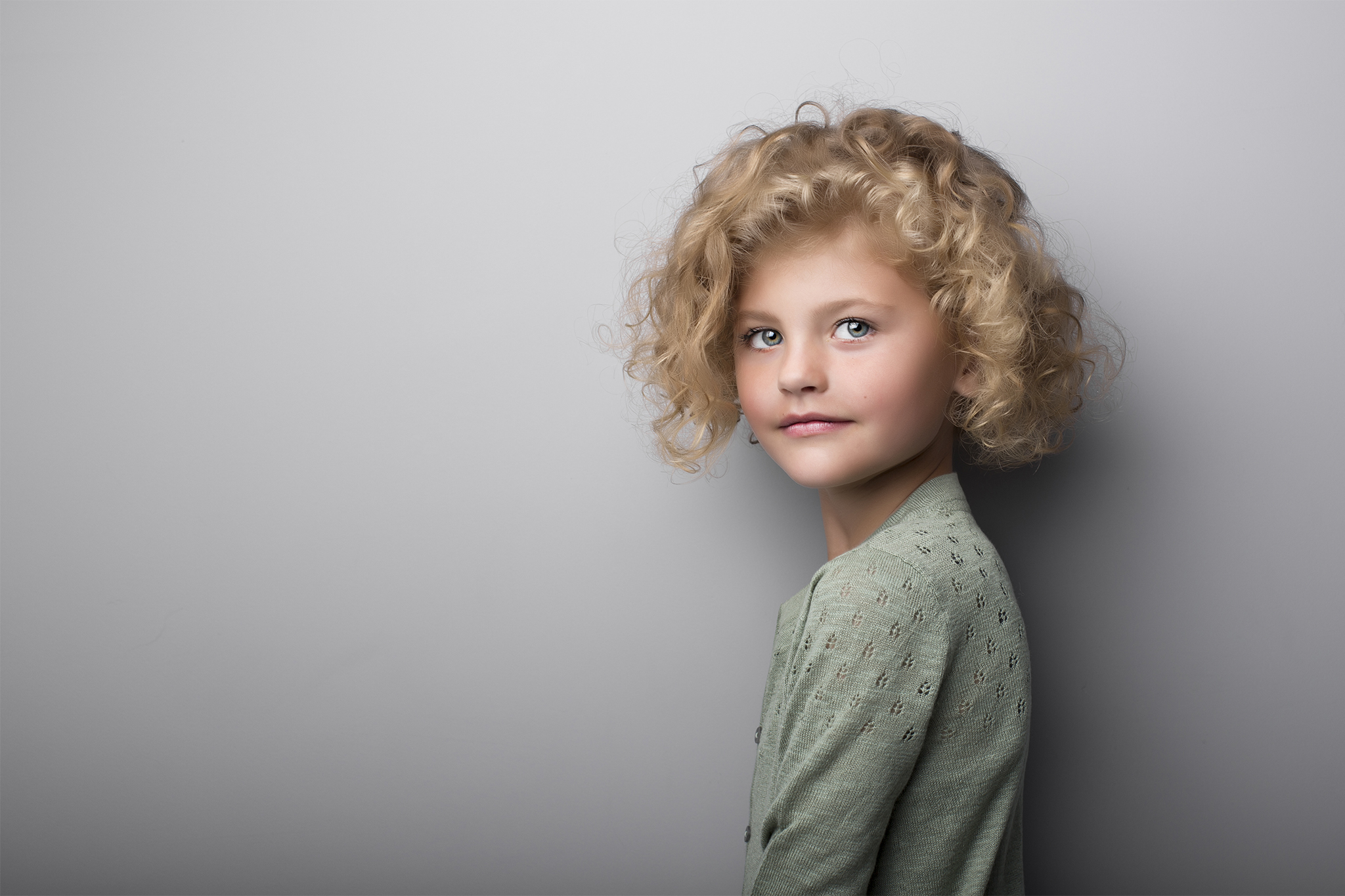 elizabethgphotography_fineart_kingslangley_hertfordshire_model_alexa_tiny_angels.jpg