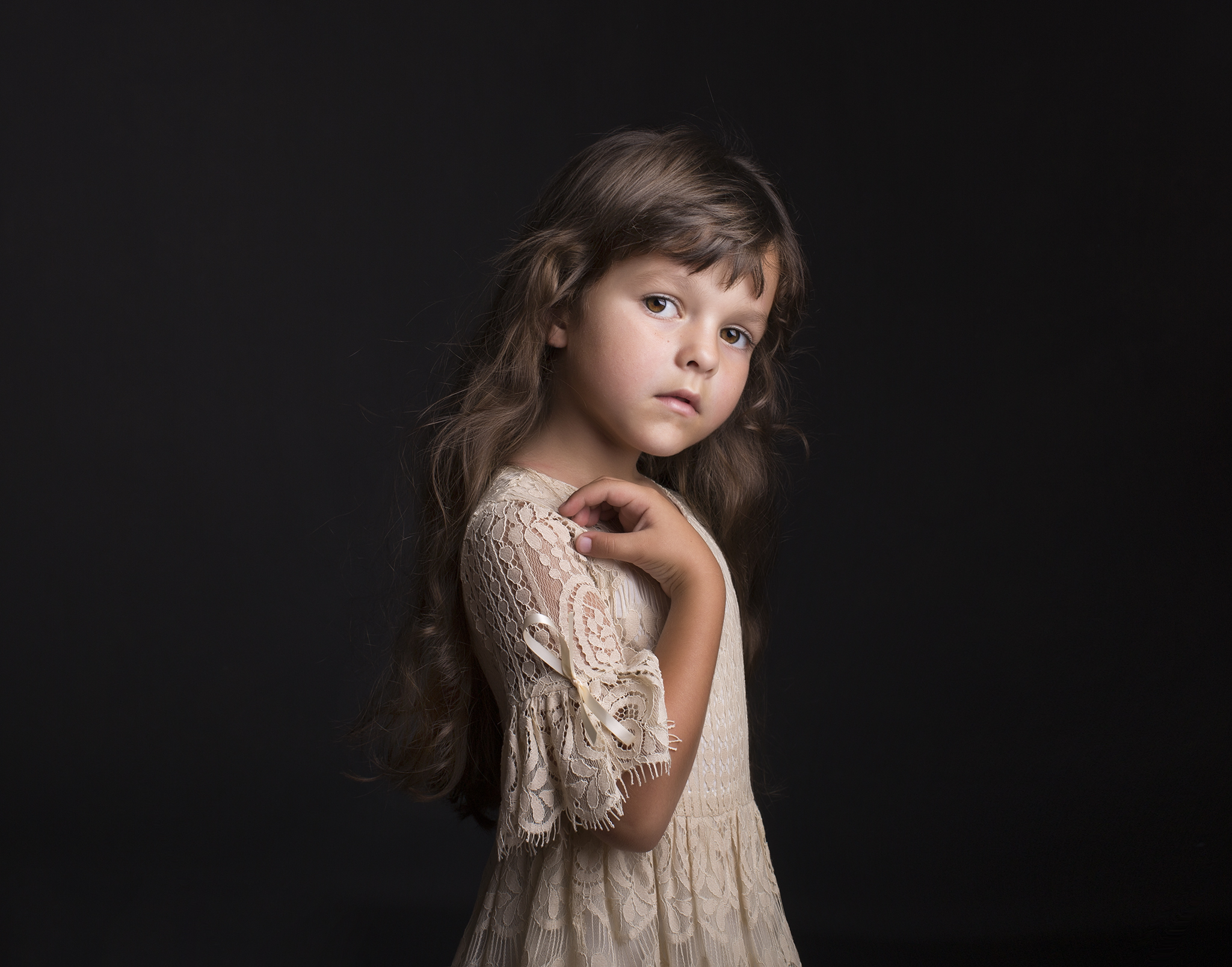 elizabethgfineartphotography_kingslangley_model_isabella_kidslondon_3.jpg