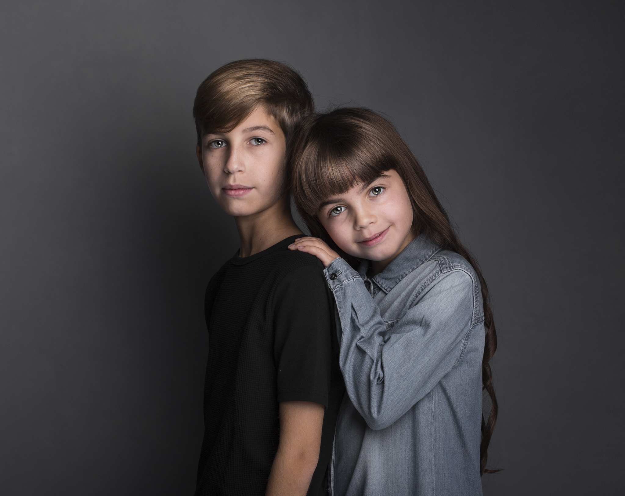 elizabethgfineartphotography_kingslangley_model_actor_chloe_alex1_family_portrait2.jpg