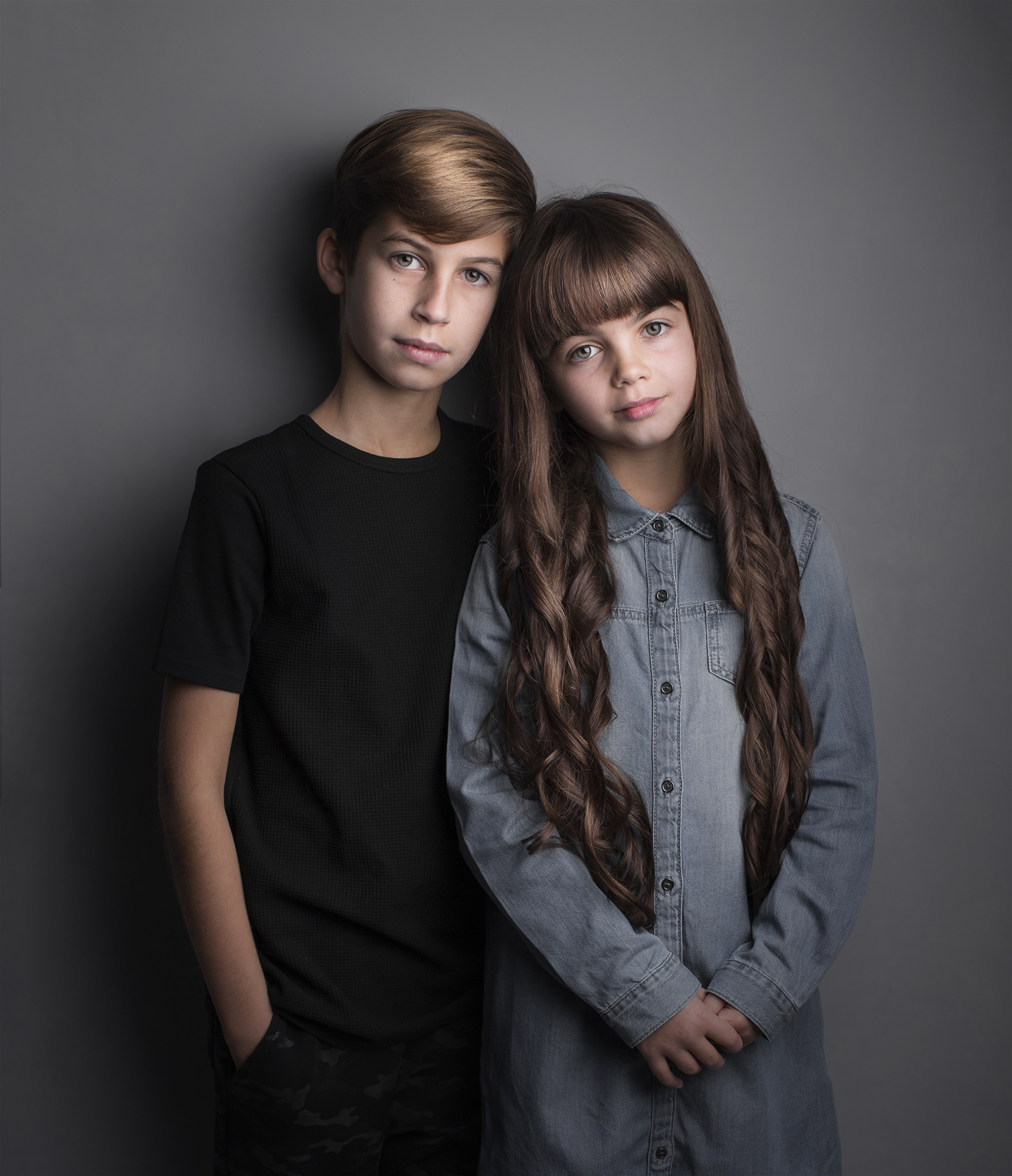 elizabethgfineartphotography_kingslangley_model_actor_chloe_alex1_family_portrait.jpg