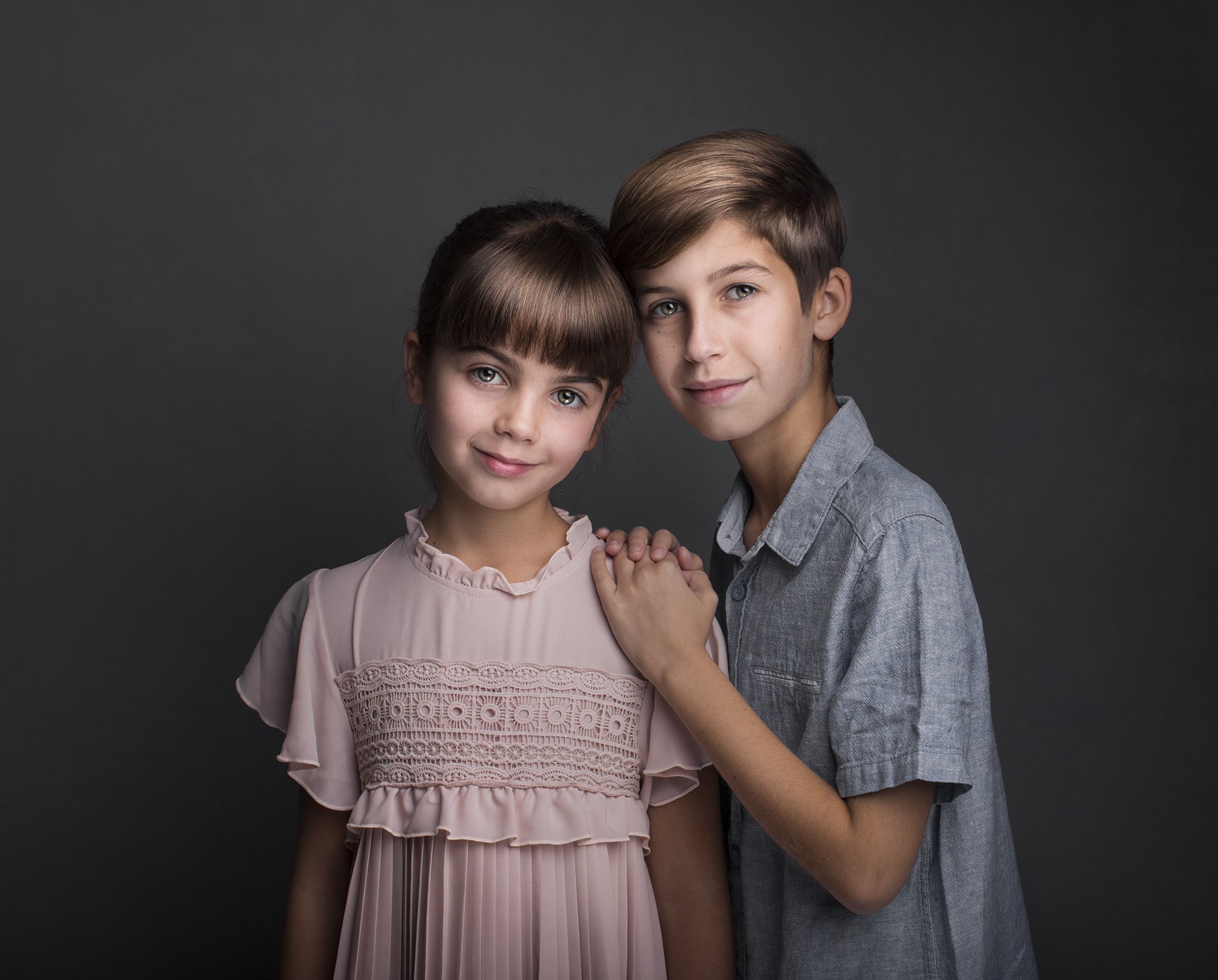 elizabethgfineartphotography_kingslangley_model_actor_chloe_alex1_family_portrait3.jpg