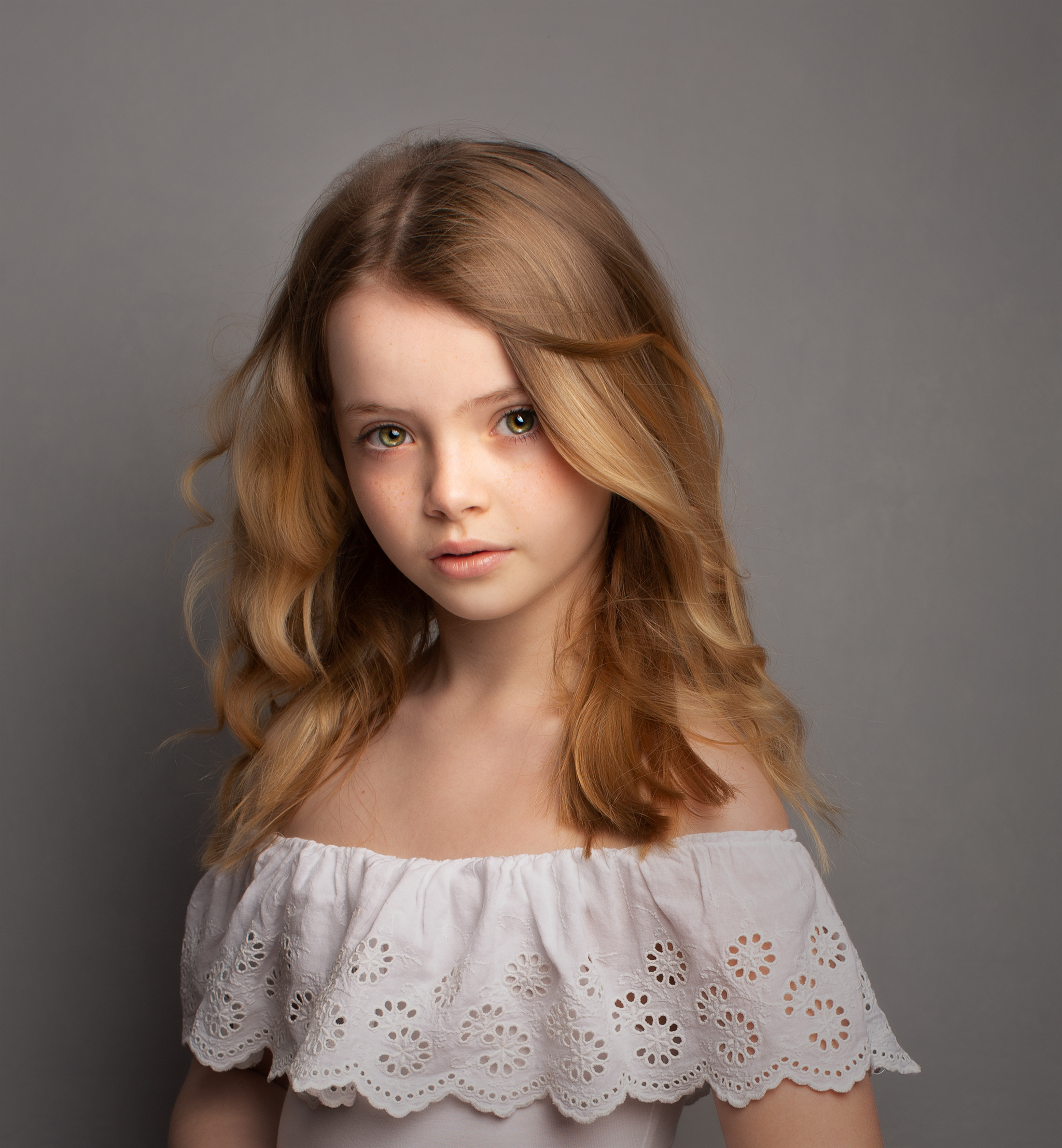 Elizabethg_fineart_photography_portrait_photographer_kingslangley_hertfordshire_brooke_bonnieandbetty_002.jpg