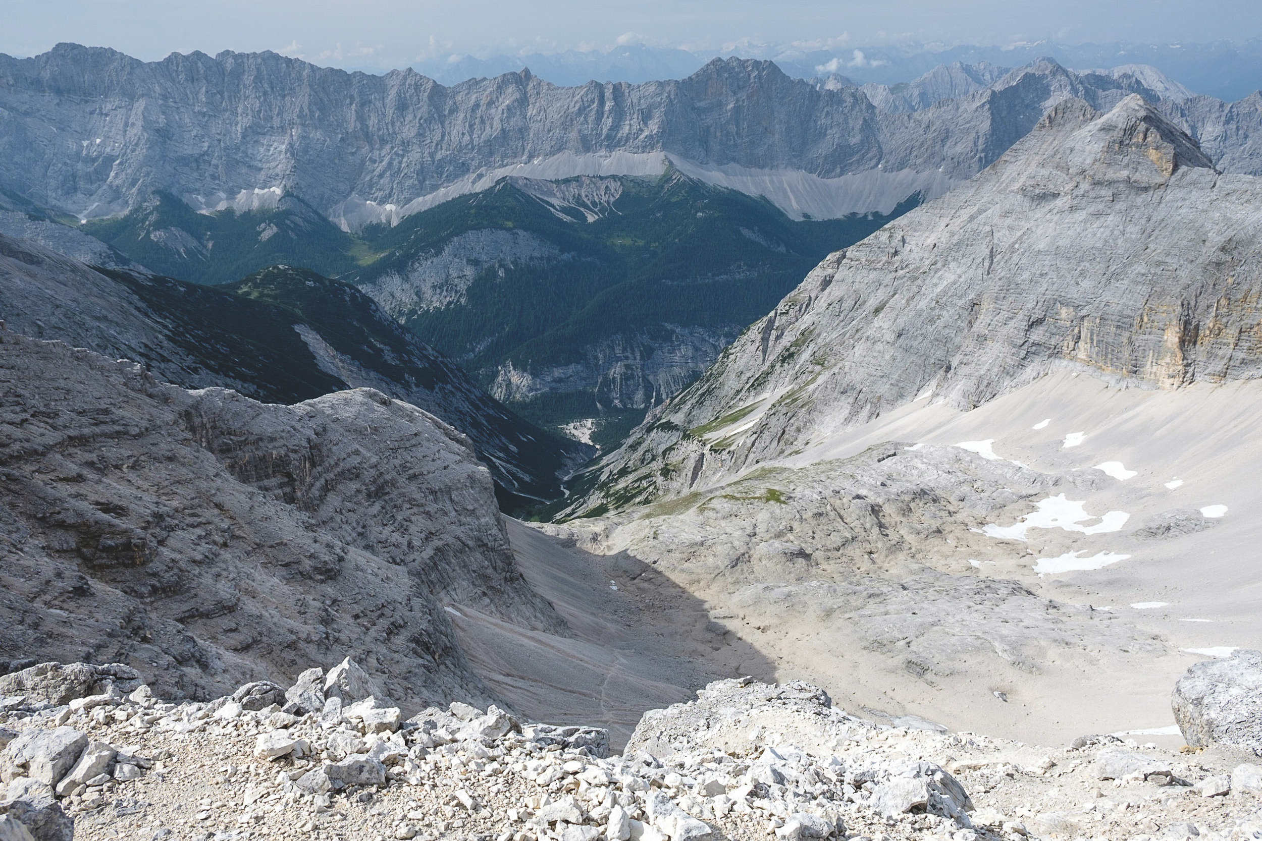 View from the Birkkarspitze over the southern Karwendel