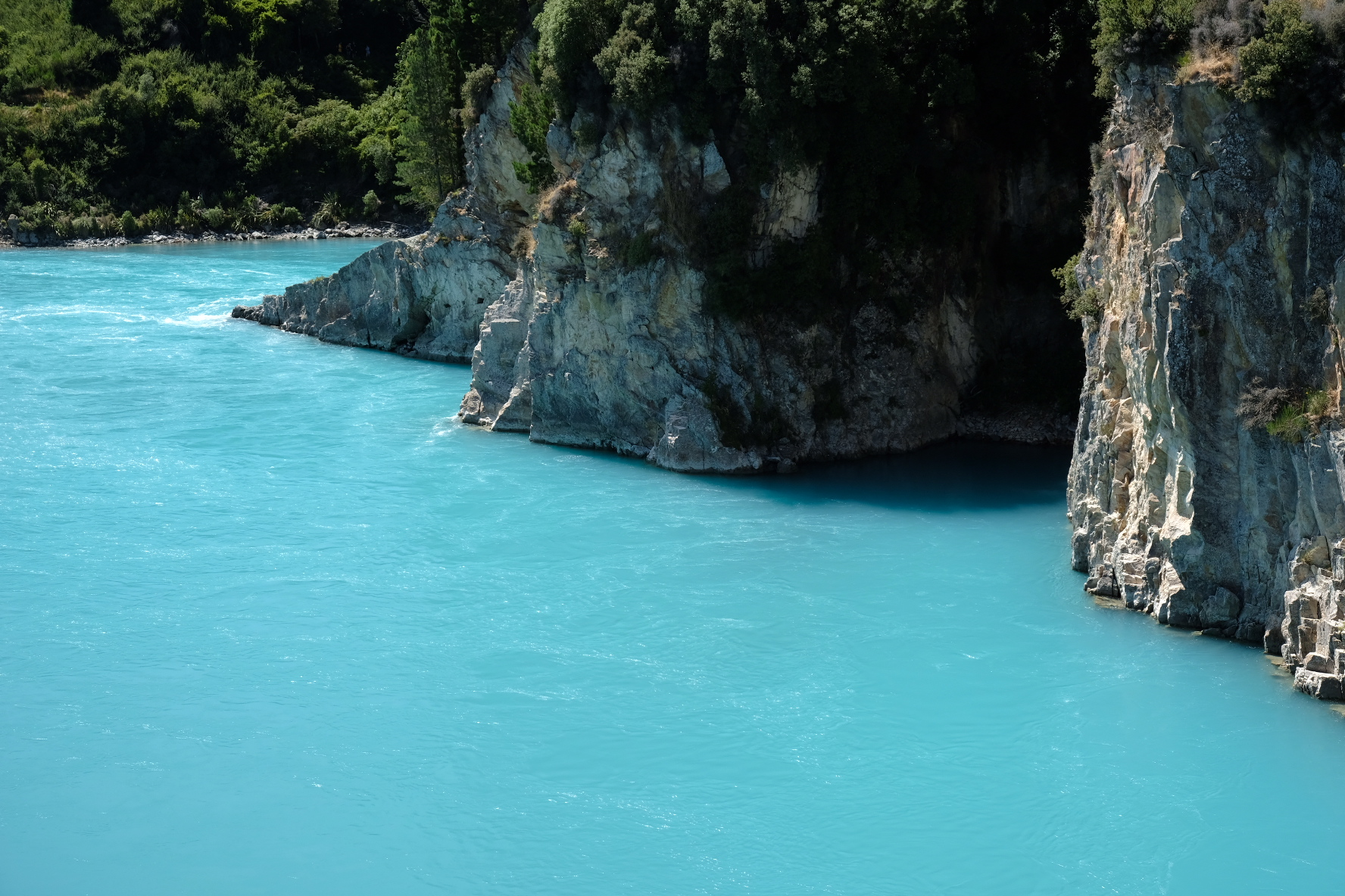 We now know all about interesting geological strata in the Rakaia Gorge