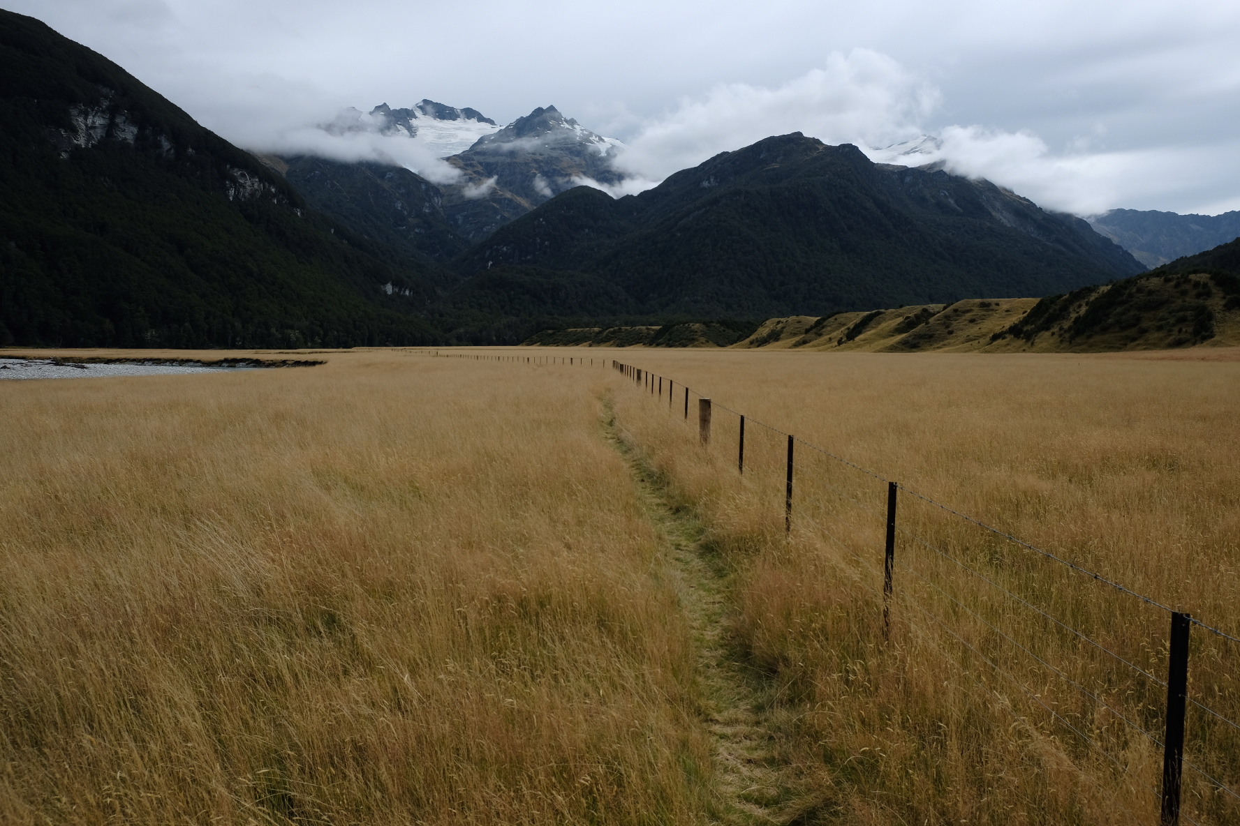 Lower Rees track: here be farmland
