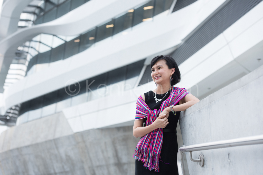 hong-kong-editorial-photographer-woman-smiling-laughing_003