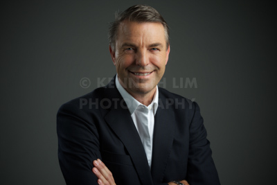 KENNETH LIM - Professional Corporate Headshot Photographer