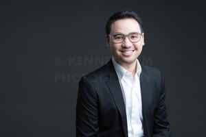 hk-corporate-headshot-dark-background-3.jpg