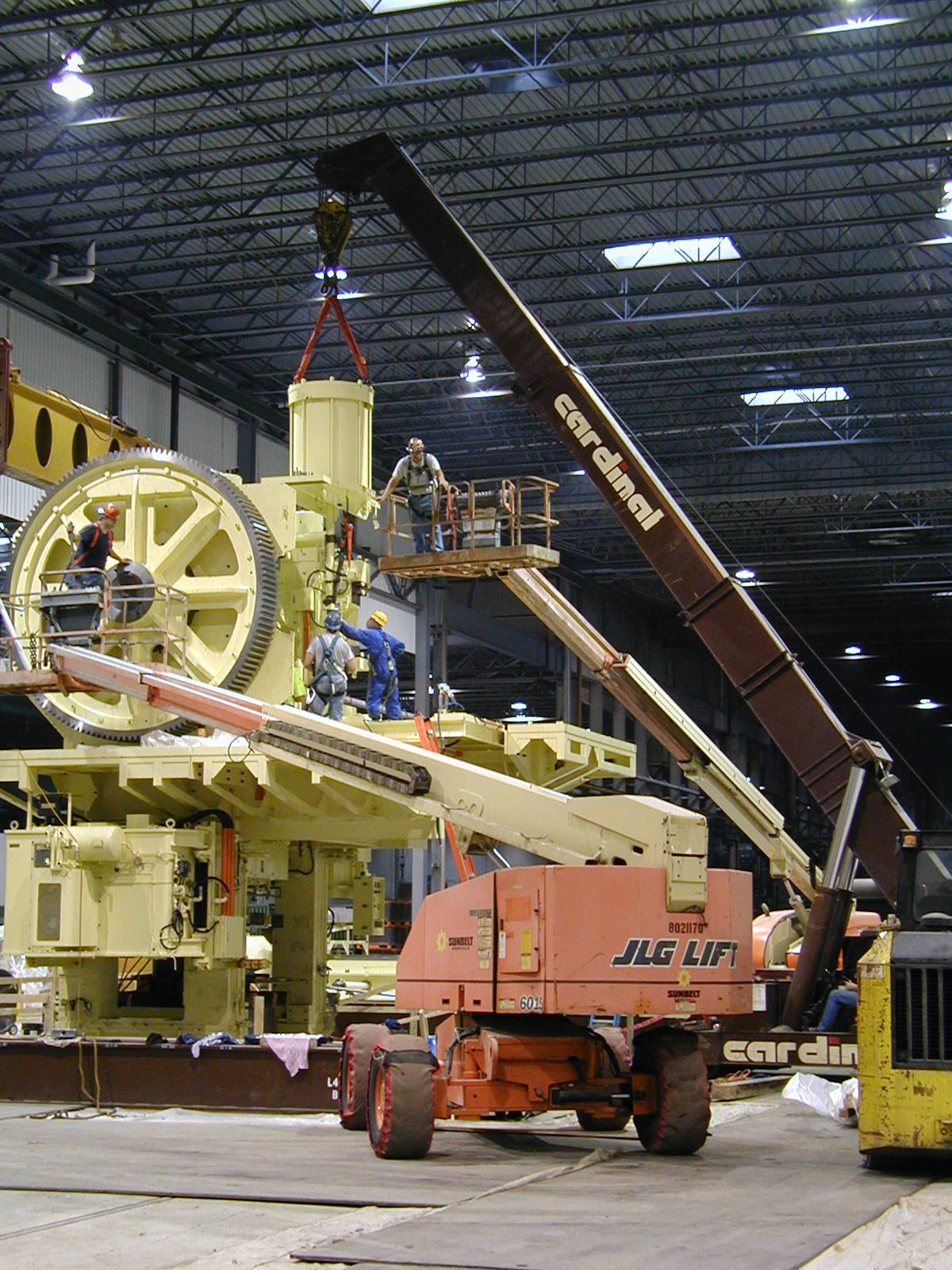 Cardinal Mobilift Crane Installs SP on Press