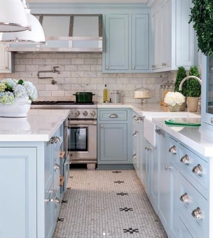 Kitchen designed by  Tobi Fairley  via  Traditional Home  magazine