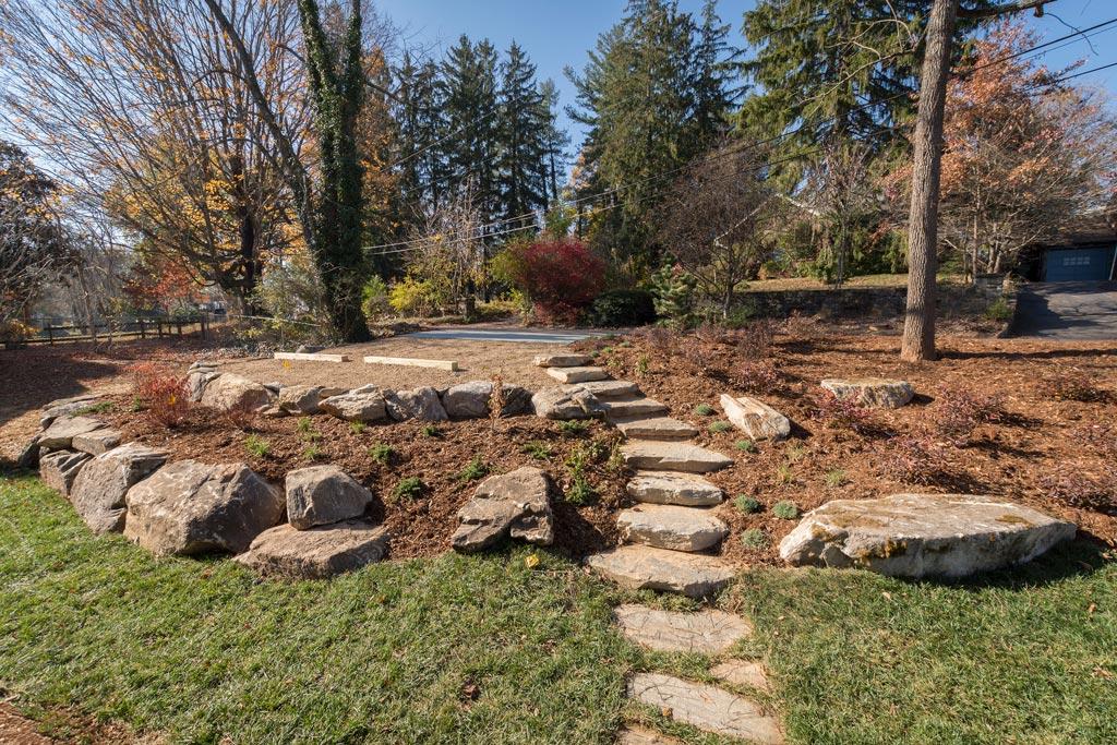 Landscape-Boulders-in-Yard.jpg