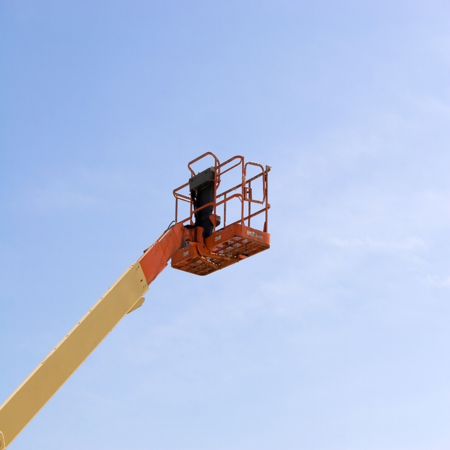 a-modern-cherry-picker-or-lift-for-use-in-commercial-construction-or-painting_BFuVd0Bi.jpg