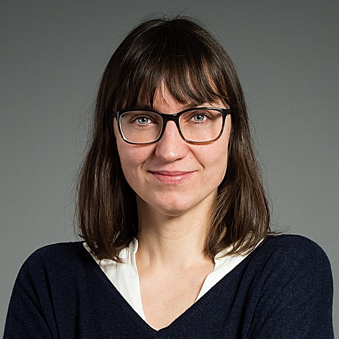 Dr. Daniela Simon