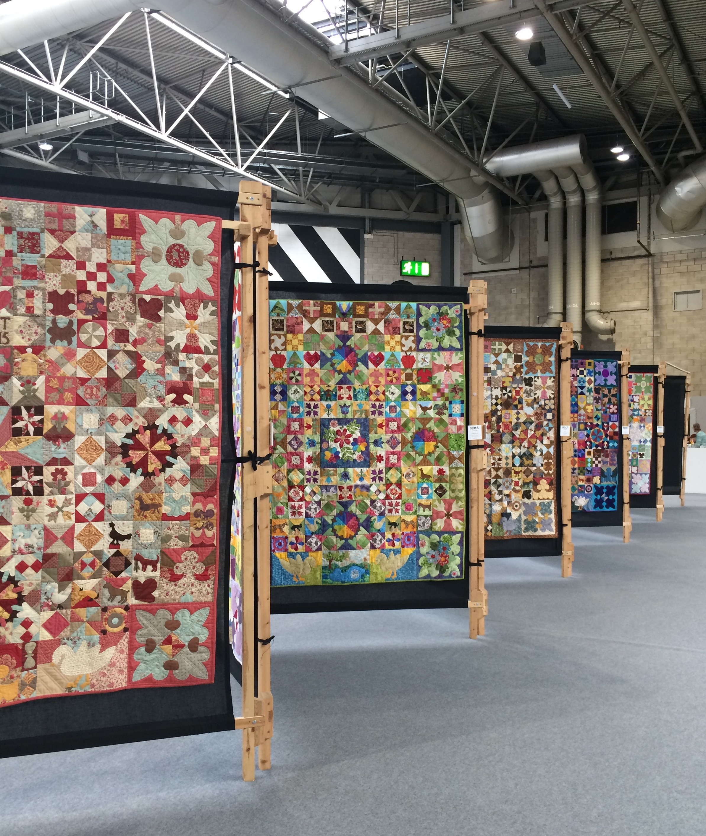 FOQ at the NEC show quilts.JPG