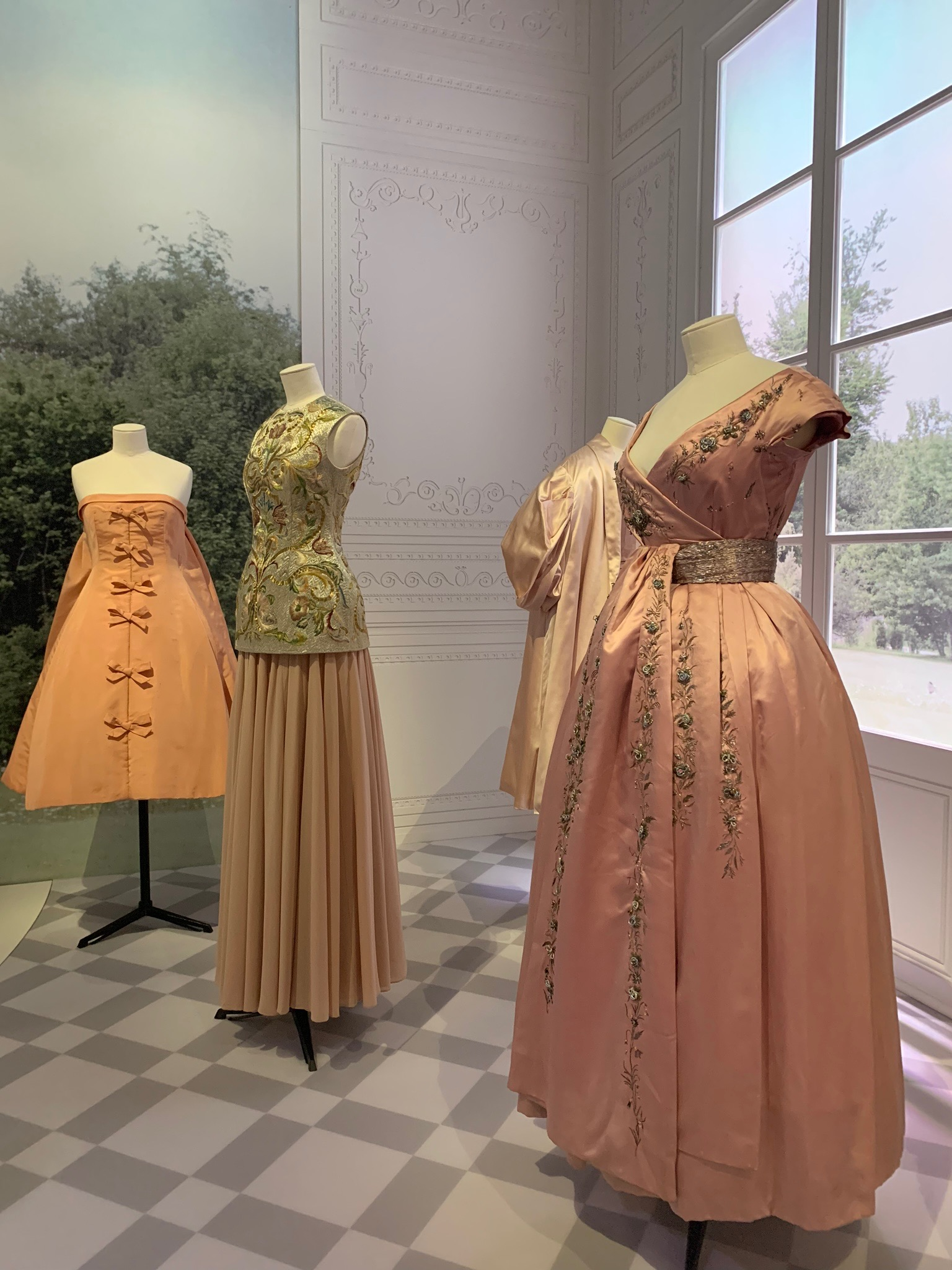 embroidered dior gowns.jpg