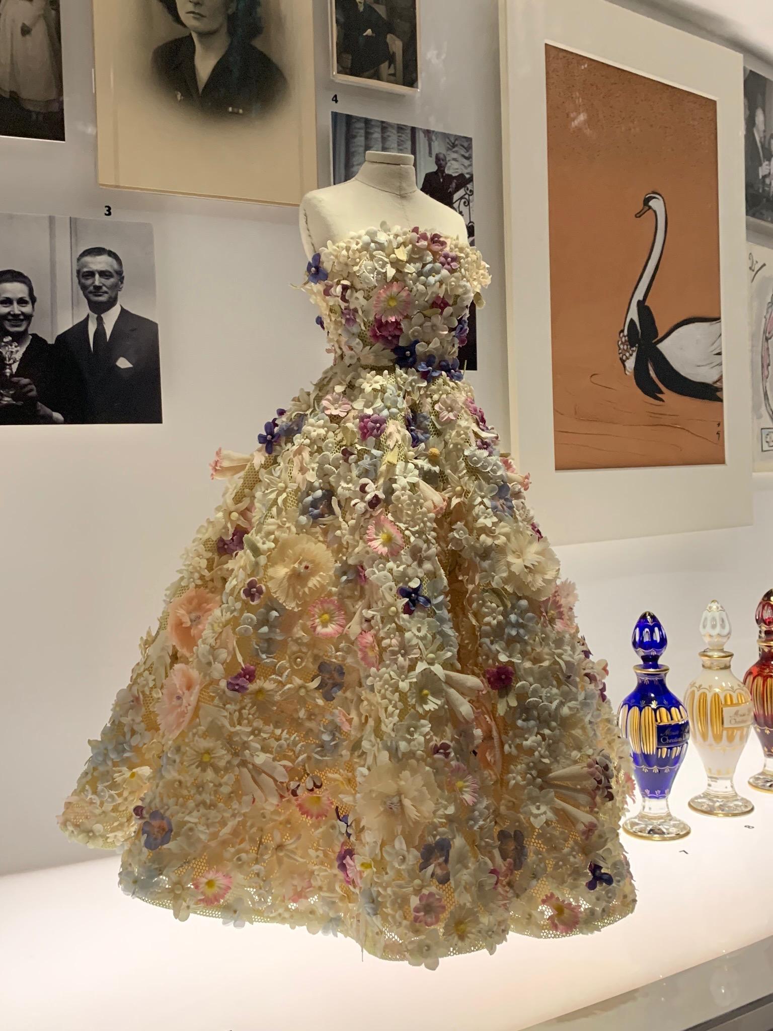 ball gown Dior.jpg