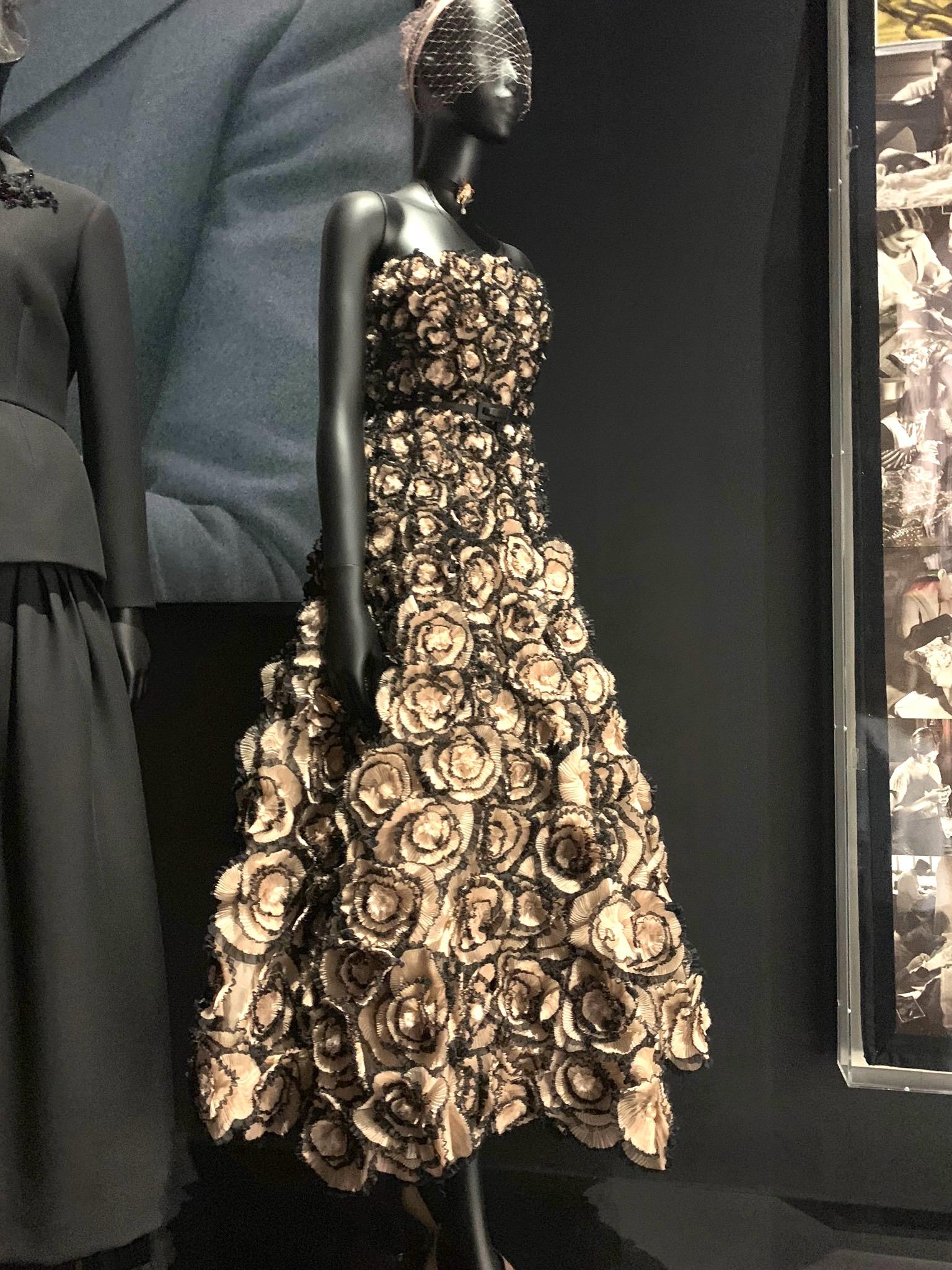 mushroom dress dior.jpg