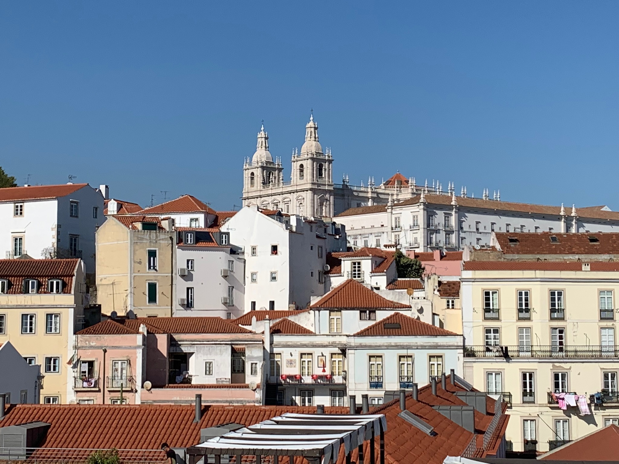 Roof tops of Lisbon old town.jpg