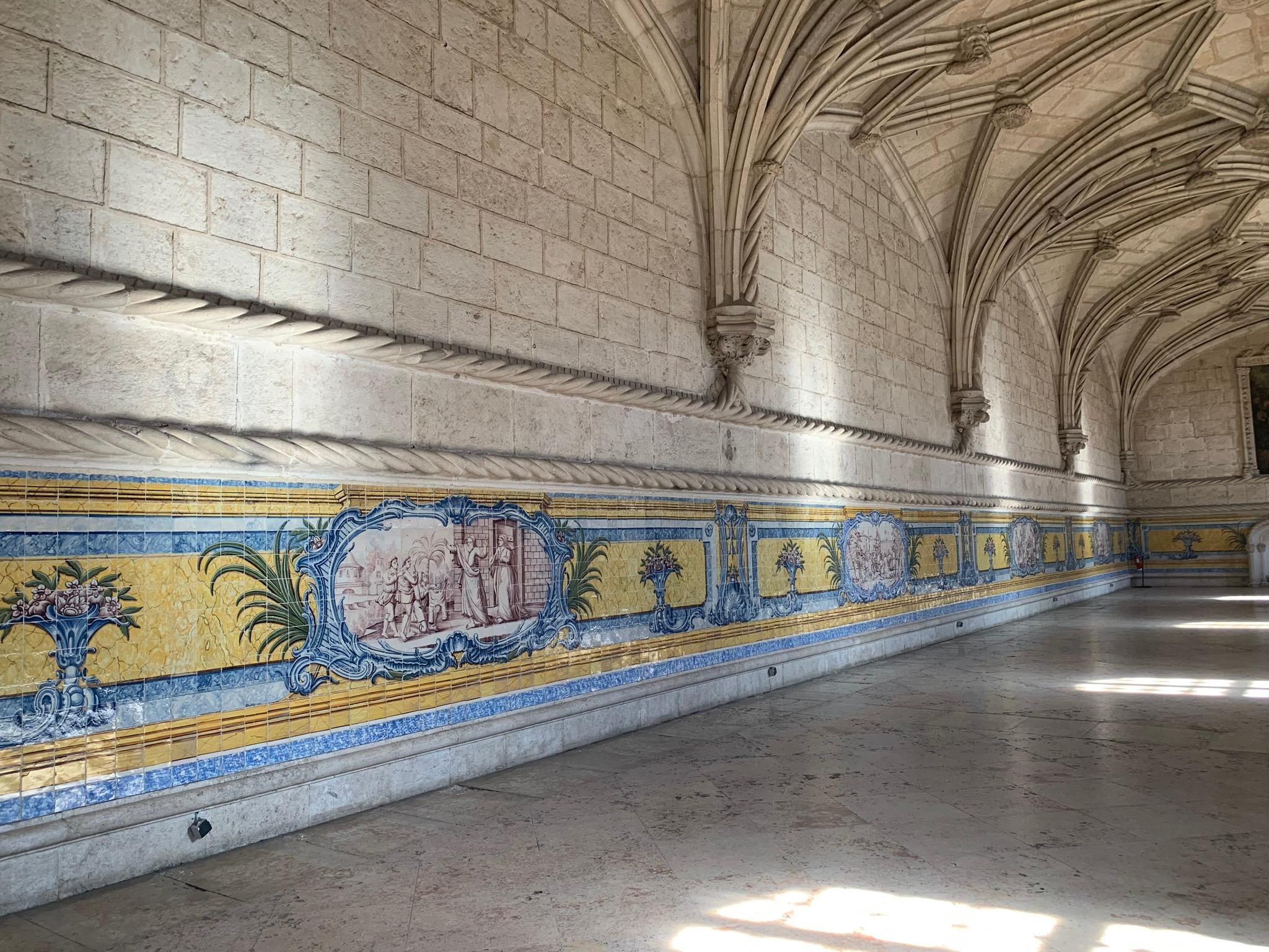 Monastery tiles Lisbon.jpg