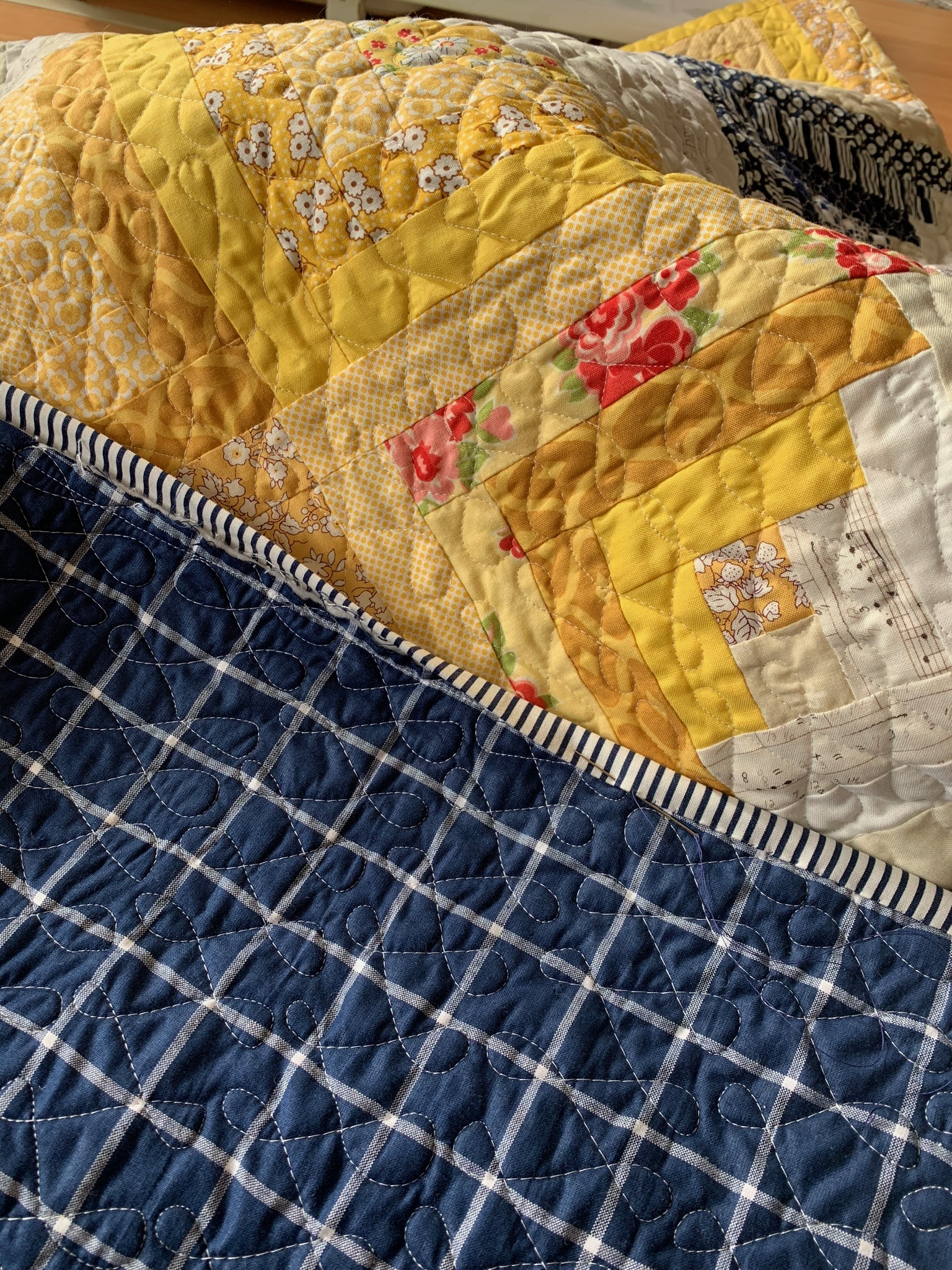 Quilting the Sweet escape quilt.jpg