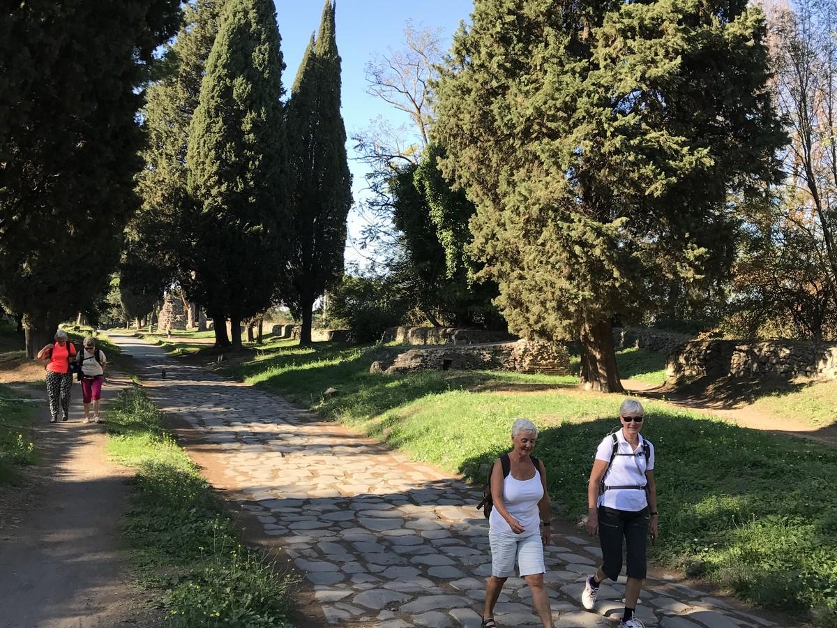 Via_Appia_Antica_på_pilegrimsvei_sør_for_Roma.jpg