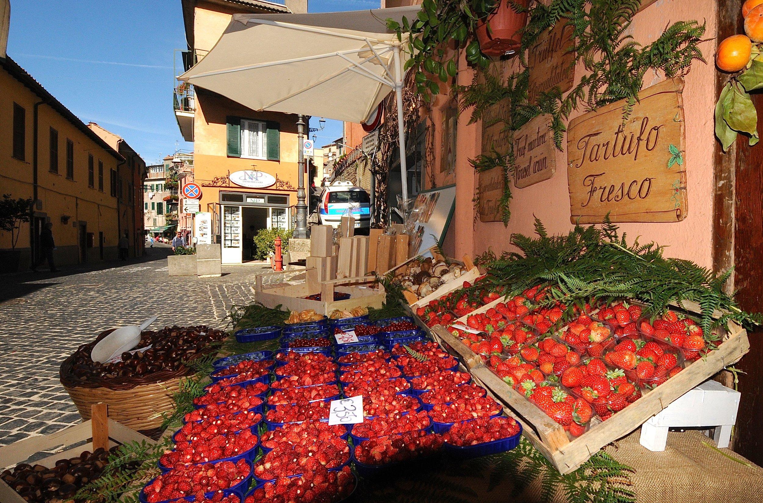 markjordbær i Nemi