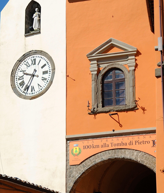 Montefiascone - Piazza Vittorio Emanuele Foto Kjell helle-Olsen (8).jpg