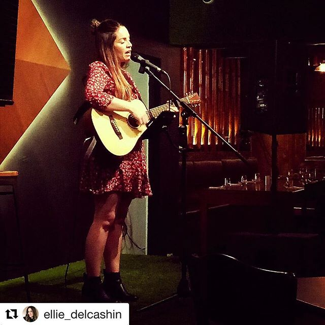 #Repost @ellie_delcashin ・・・ 🎼FRI-YAY! 🎼 I'm playing tonight @joeswinedine 🍸  Come down for some after work drinks & some cool acoustic tunes ♥️