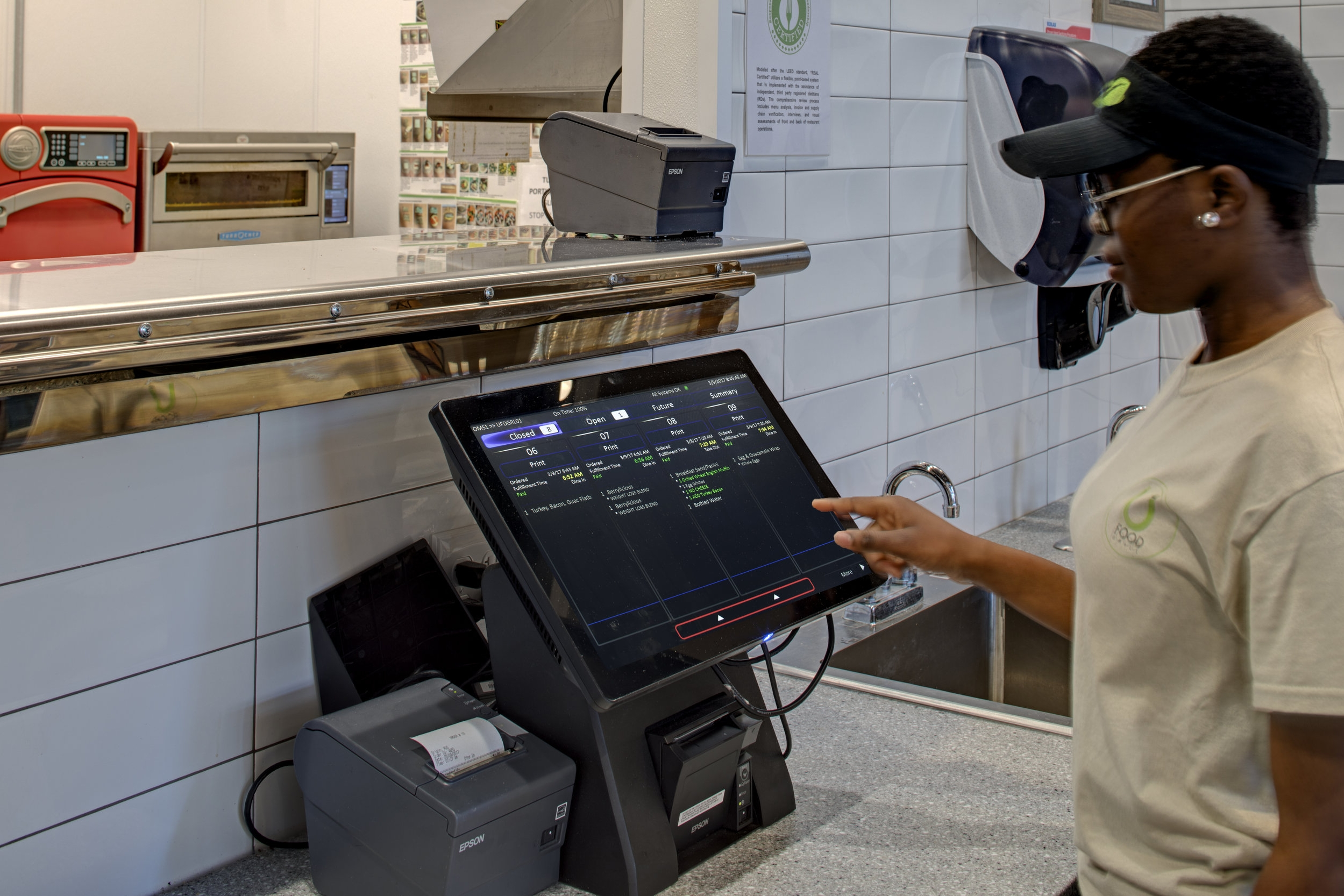 Keep an eye on all orders. - All your open, closed, and future orders are a tap away, whether they come from your POS, Self-Order Kiosks, Mobile Ordering, or Touchscreen Drive-Thru.