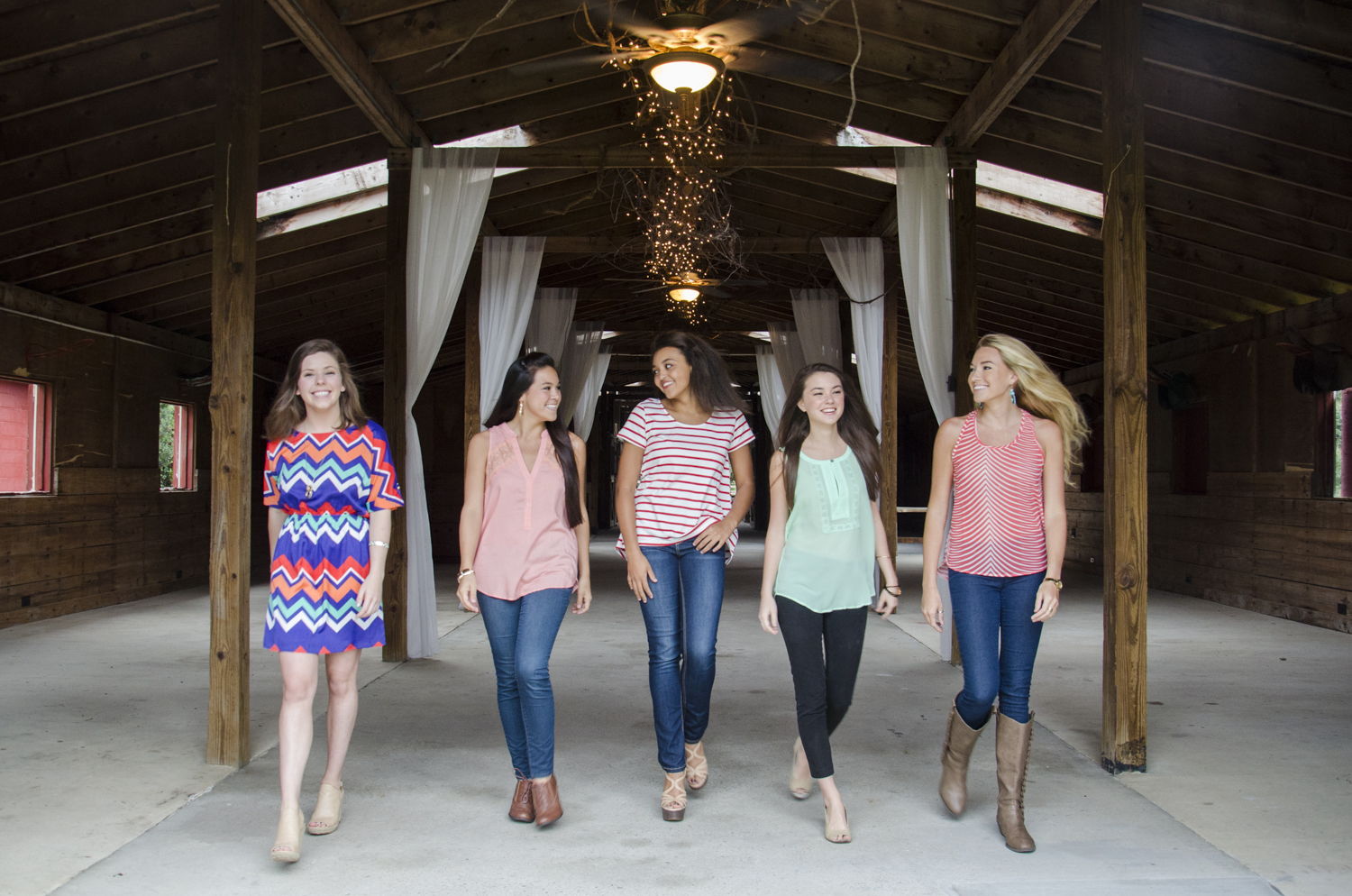 Clothing: Threads Boutique Models: Kaia Egan, Kayley Jacobs, Kimberly Jacobs, Anna Heritage, Hannah Leverette Location: Red Gate - Savannah, GA