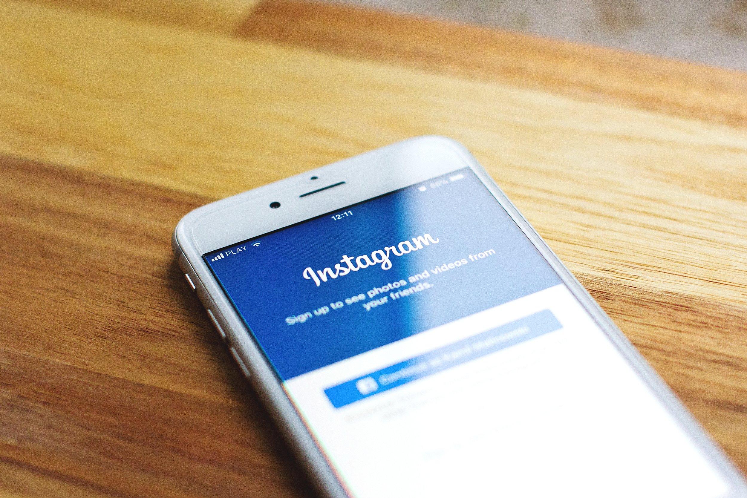 Instagram login.jpg