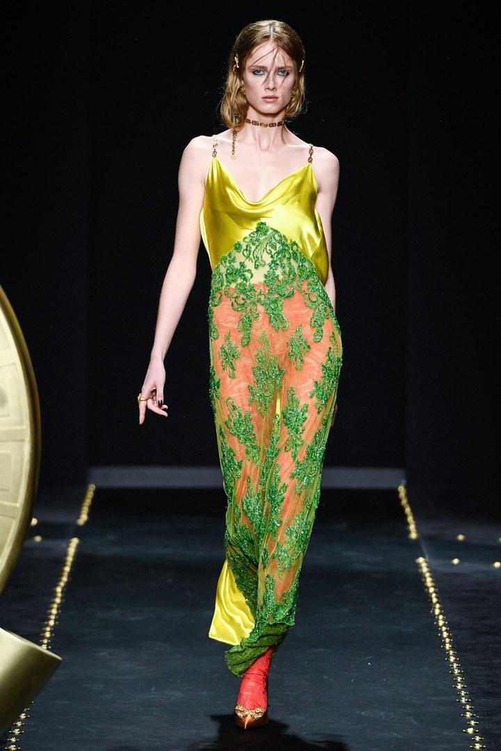 Versace aw2019. Image via Vogue.