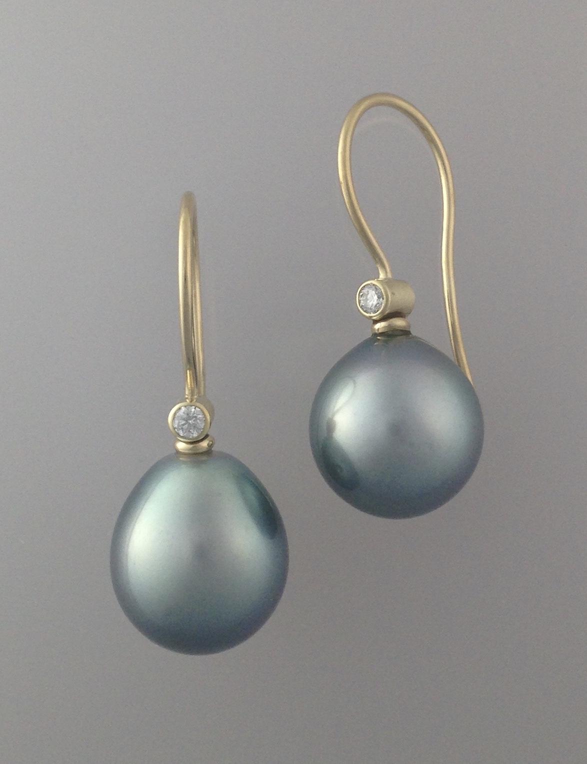 18kt gold, tahitian pearls, diamond