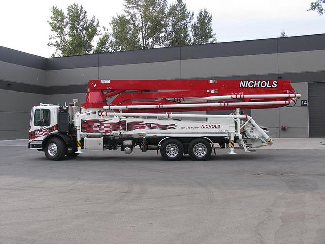 41M side truck_a.jpg