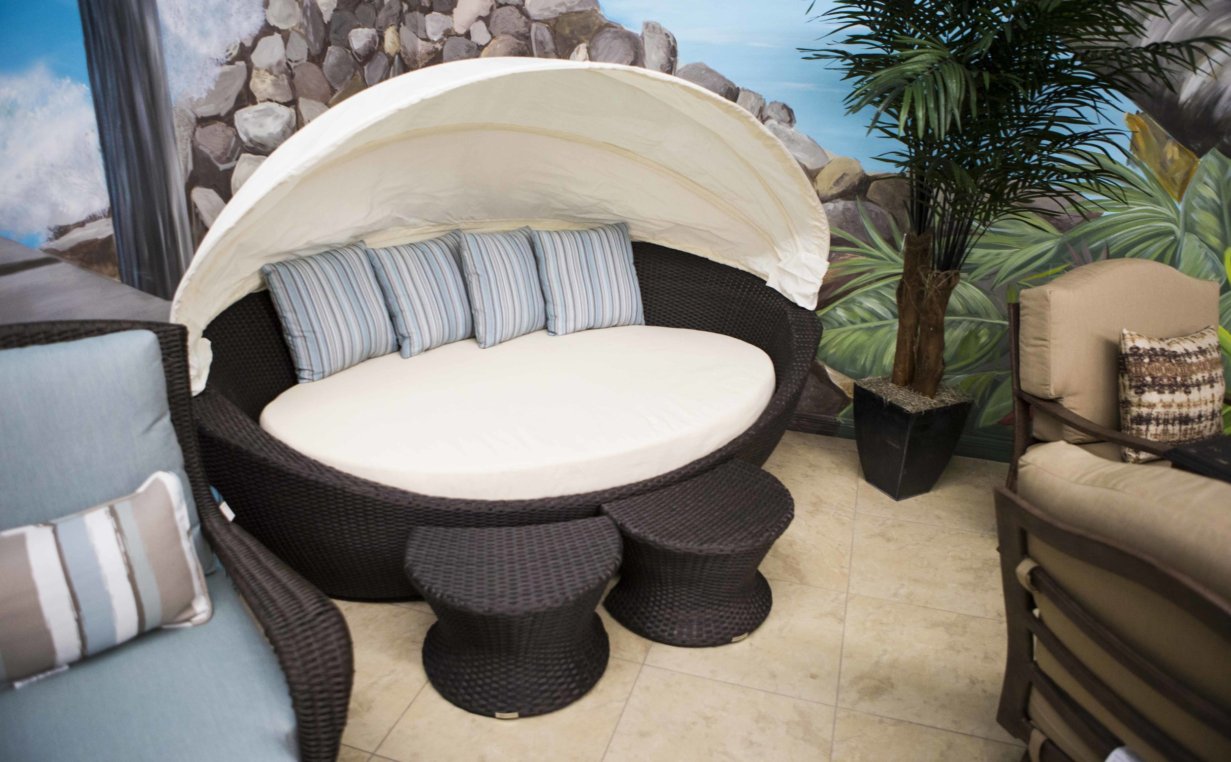 Patio Outlet Pics_13.jpg