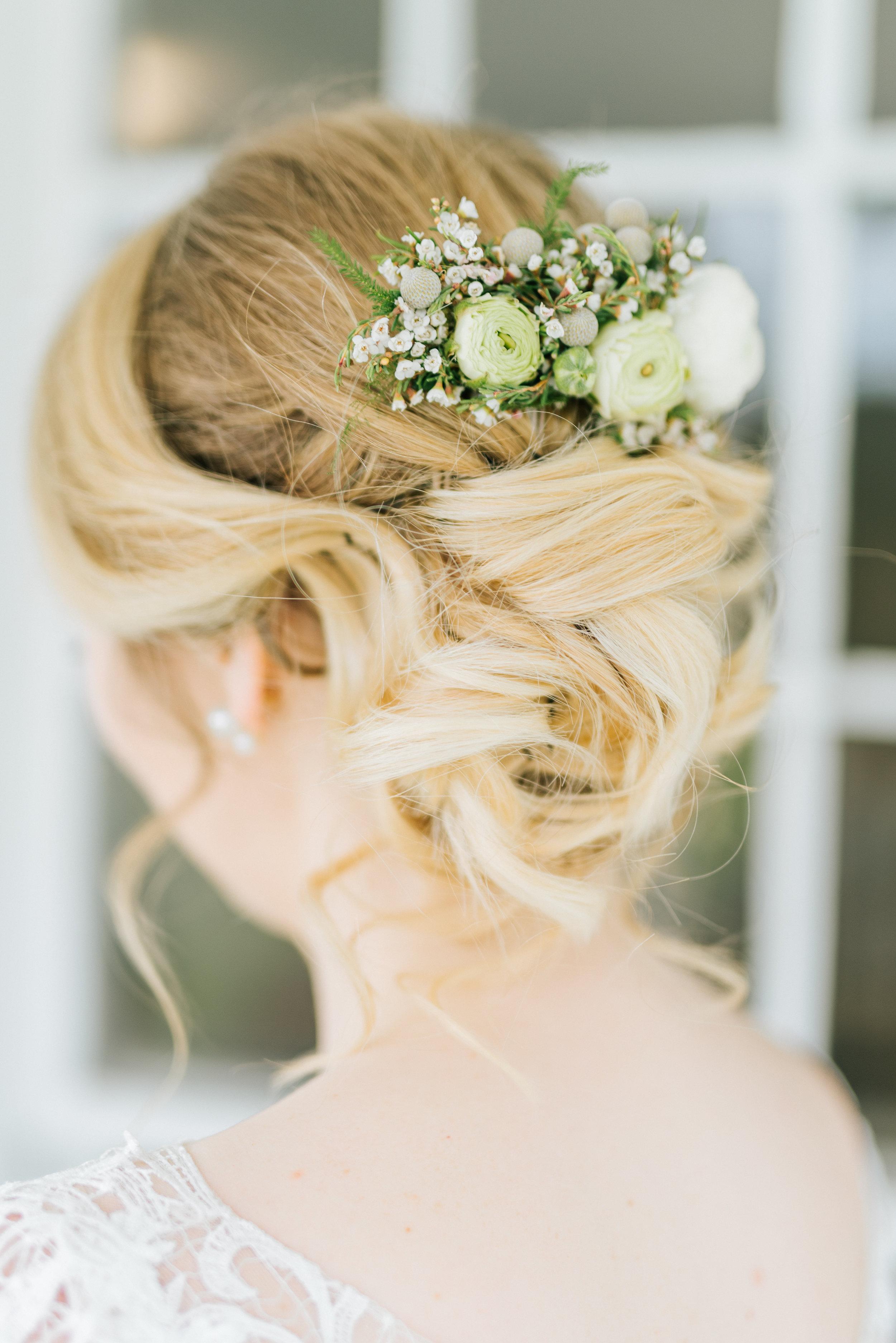 Pretty Floral Hairpiece - Zingerman Cornman Farm