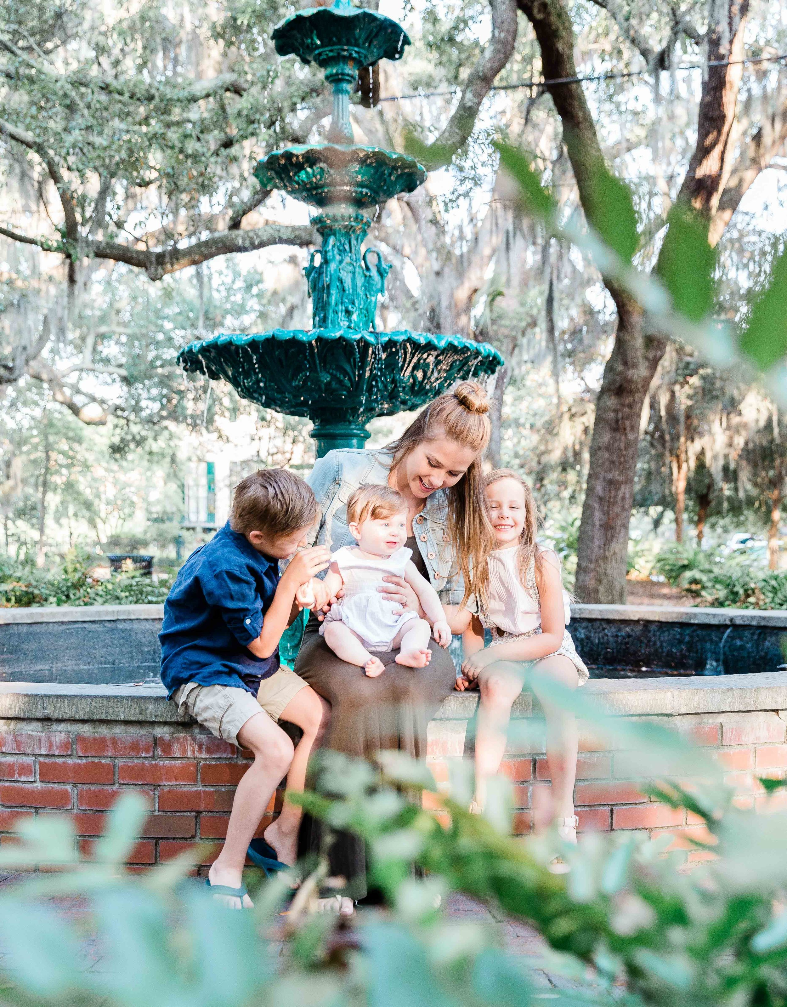 20190526Georgia-Savannah-lafayette square-brittany sims mothers day session14.jpg