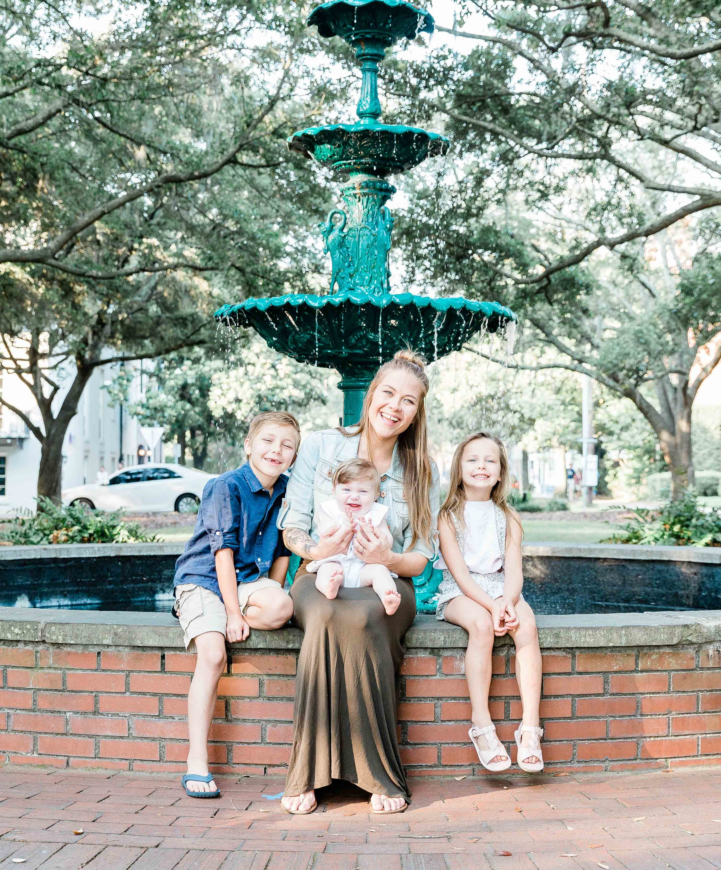 20190526Georgia-Savannah-lafayette square-brittany sims mothers day session15.jpg